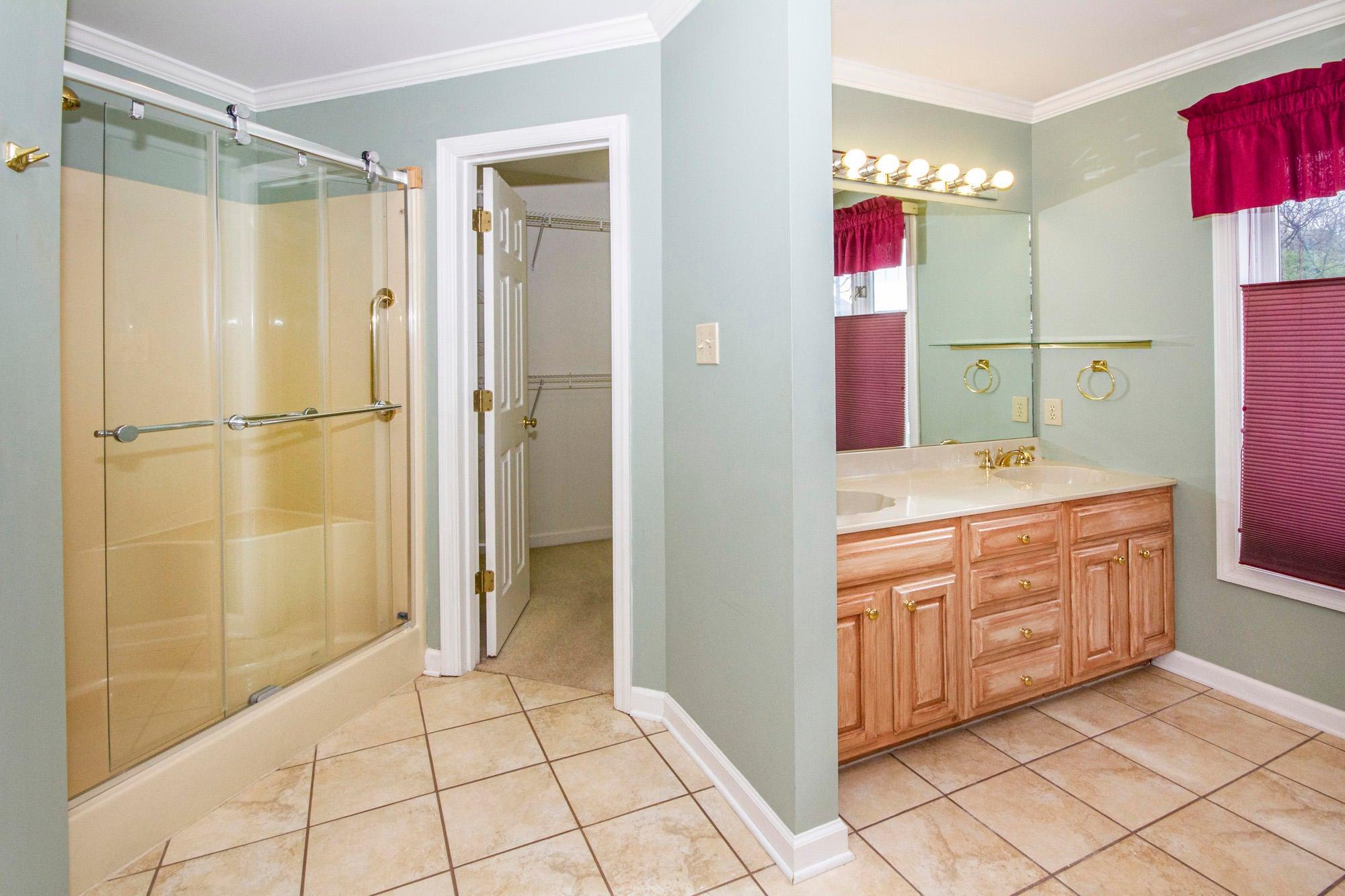 Walk-in Shower & Whirlpool Tub
