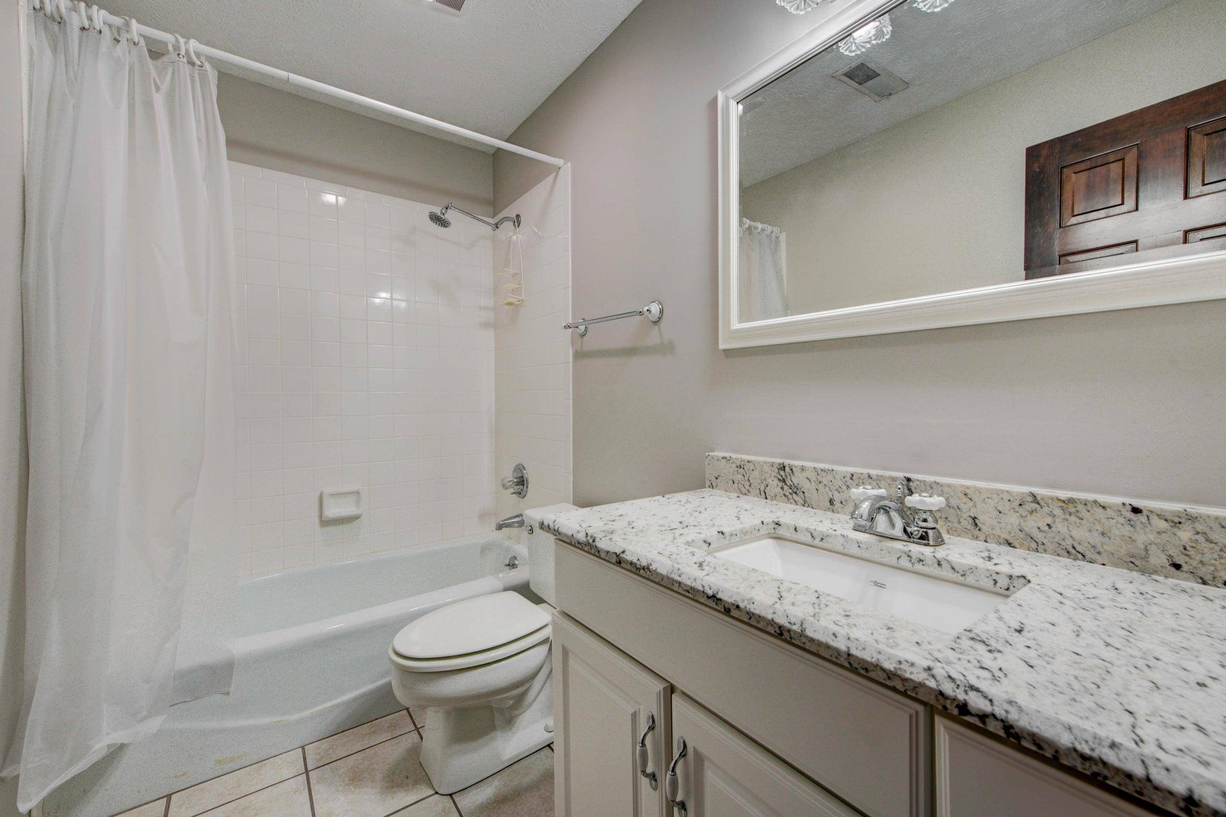 Full bath / basement