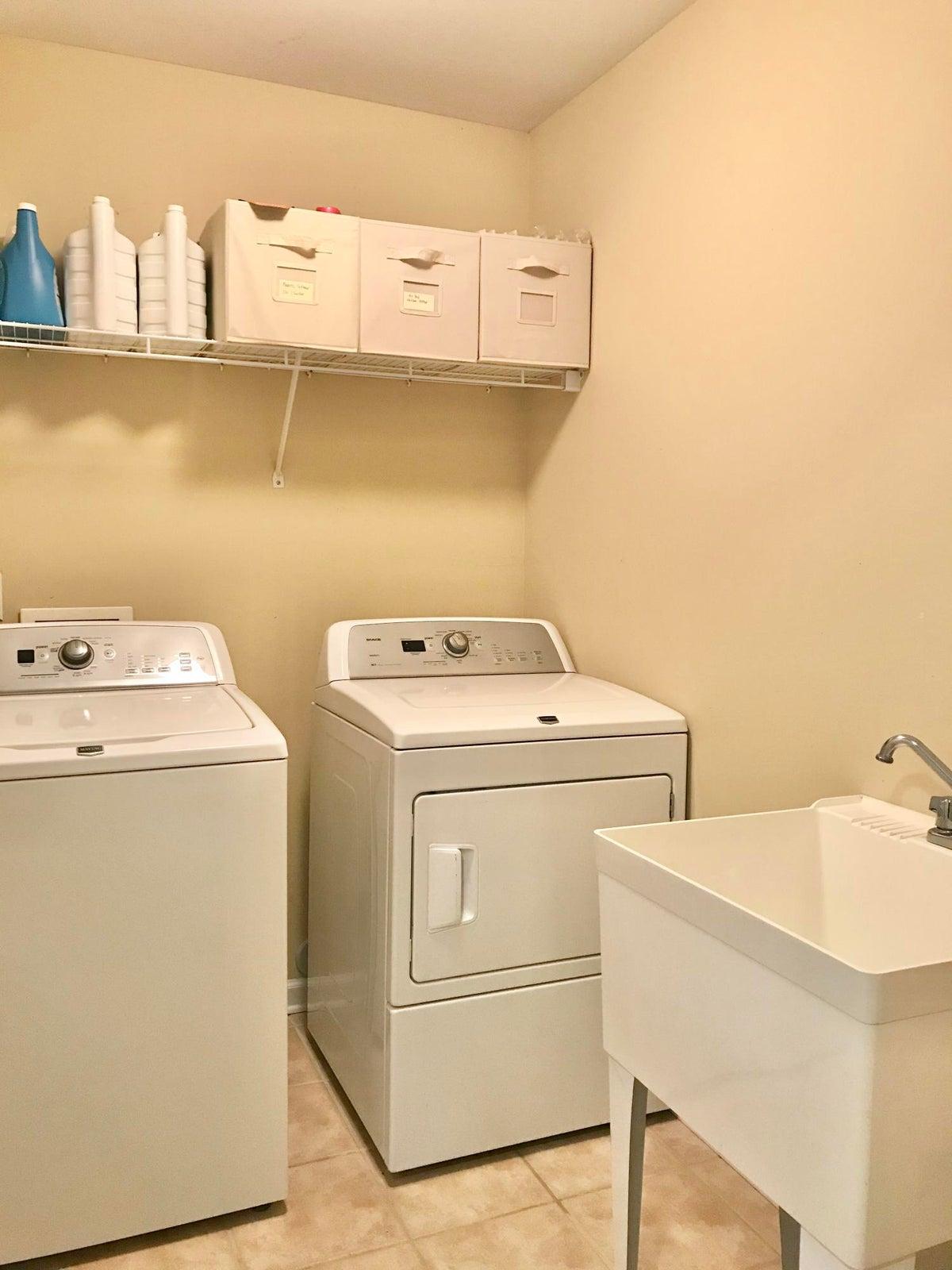 Laundry-Washer /Dryer stays