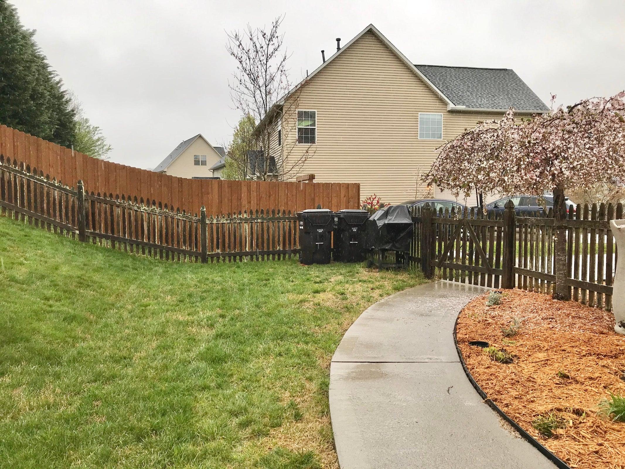 Sidewalk from Scr Porch to Driveway