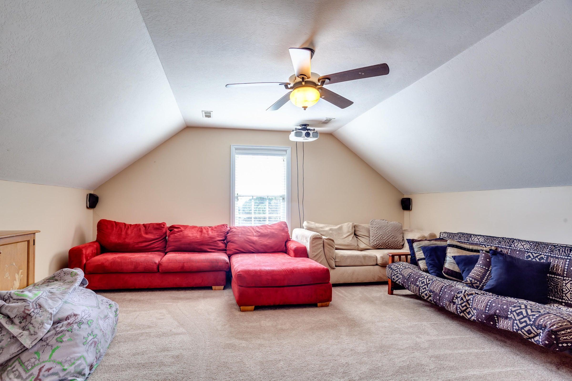 1151 Paxton Drive - 3rd floor bonus