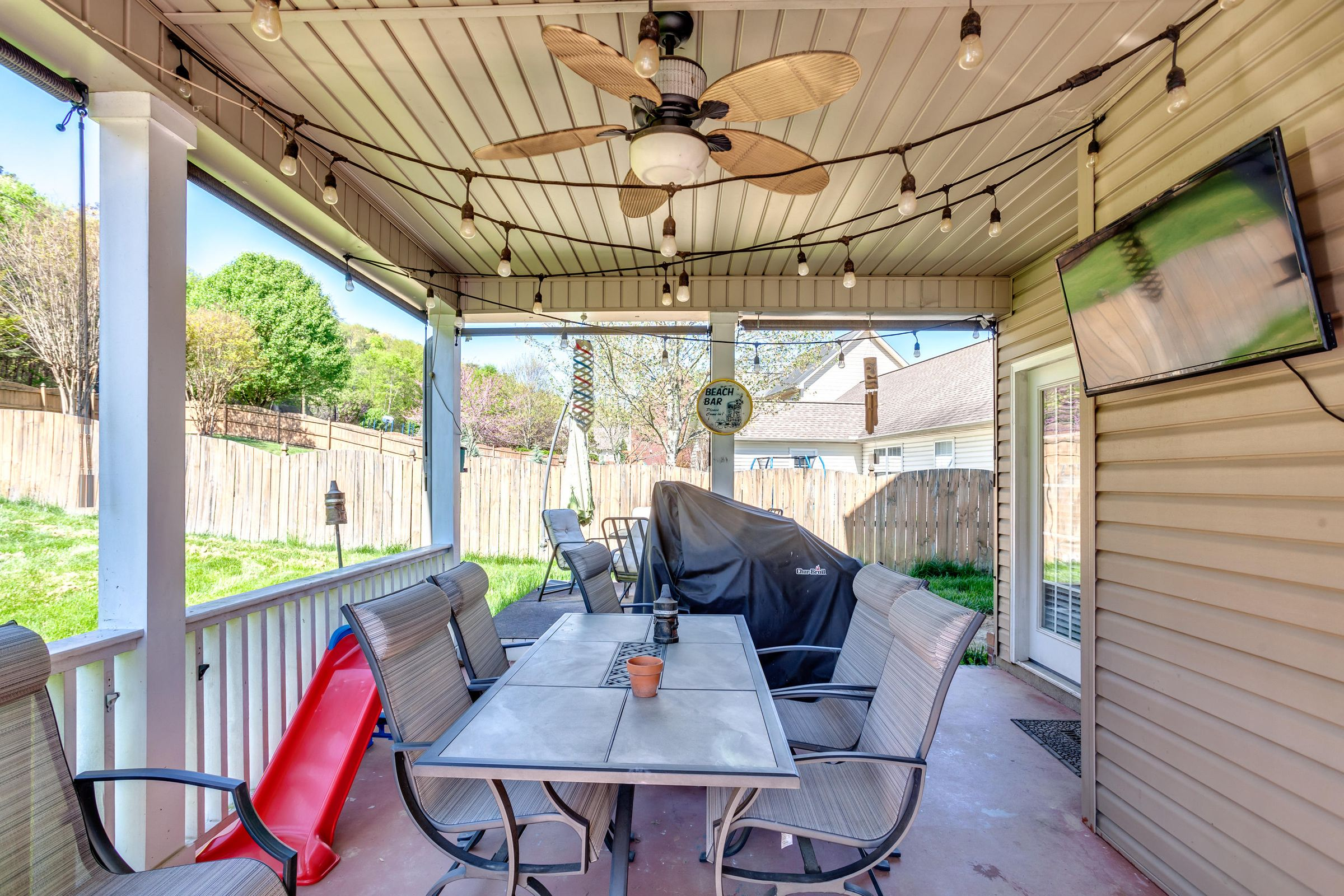 1151 Paxton Drive - Covered patio