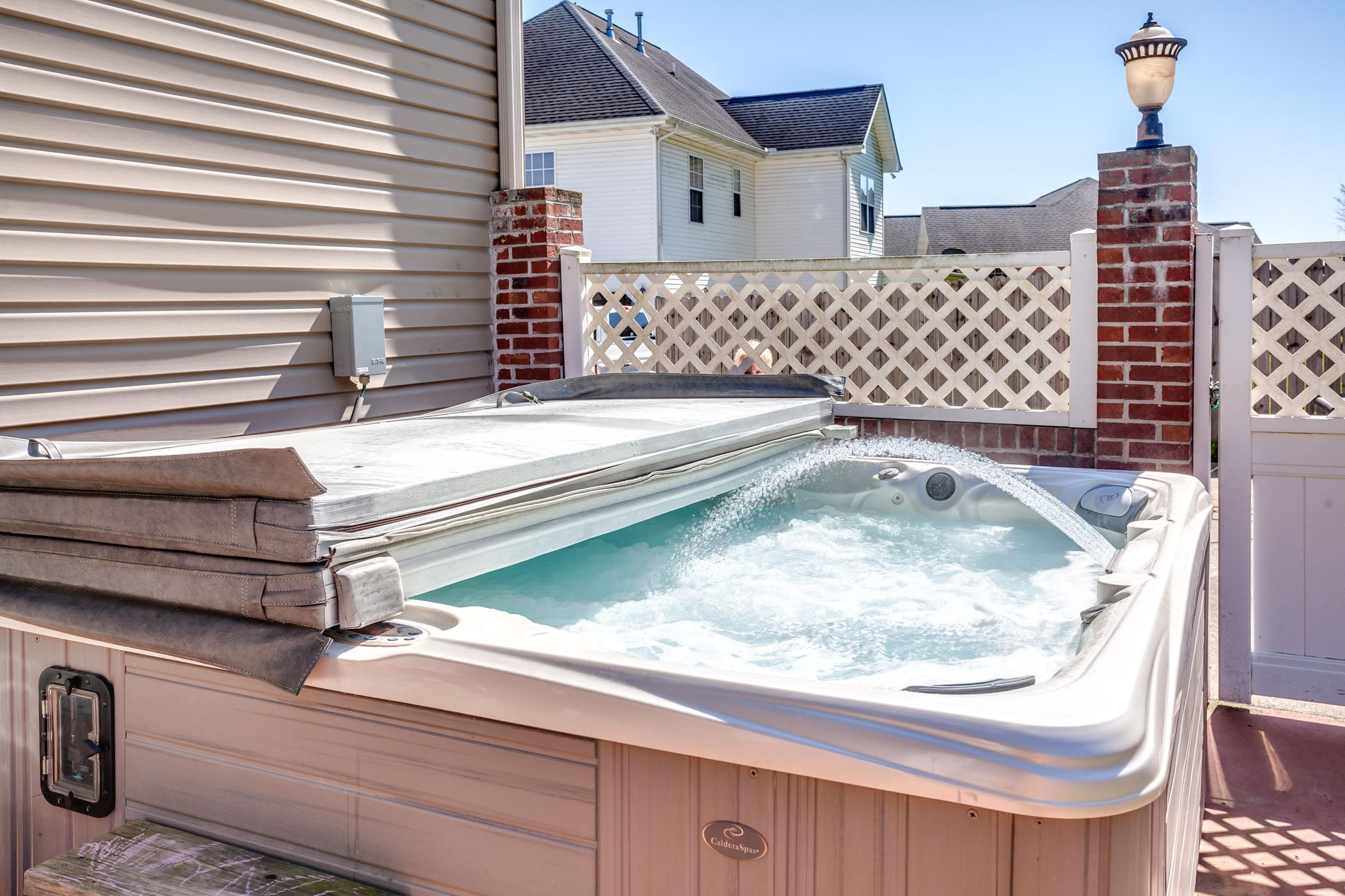 1151 Paxton Drive - Hot tub
