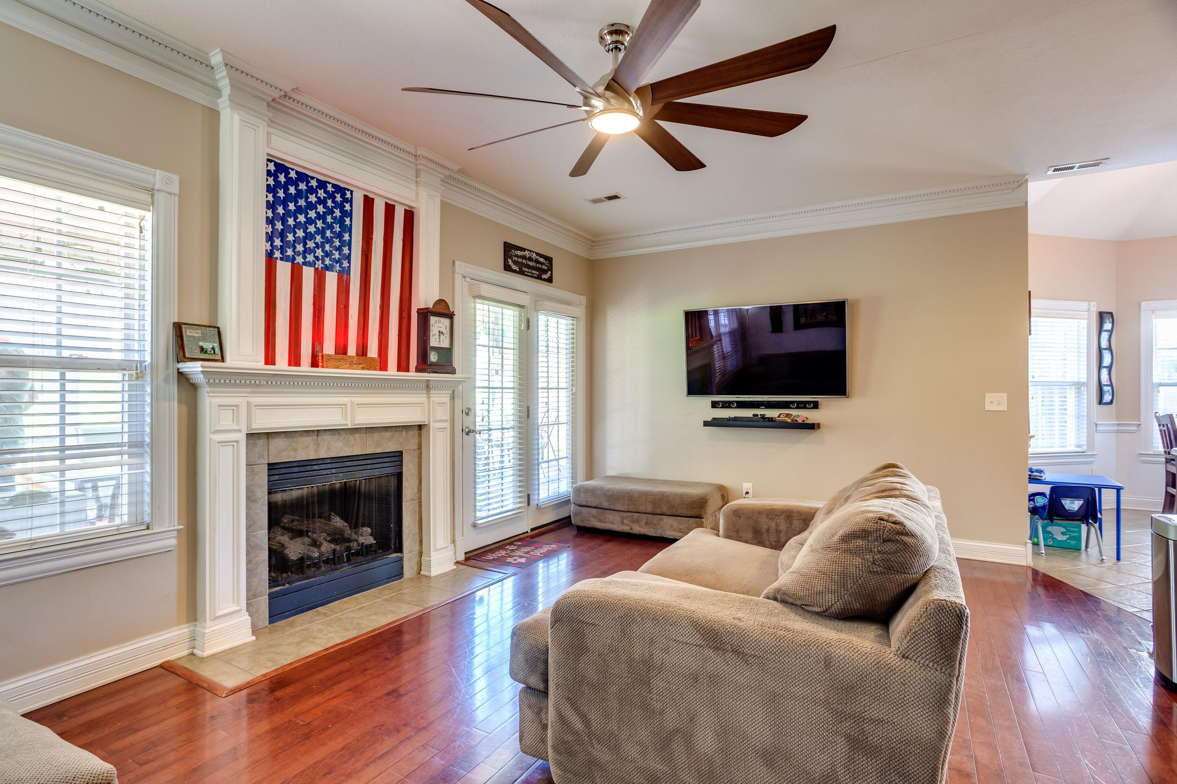 1151 Paxton Drive - Living