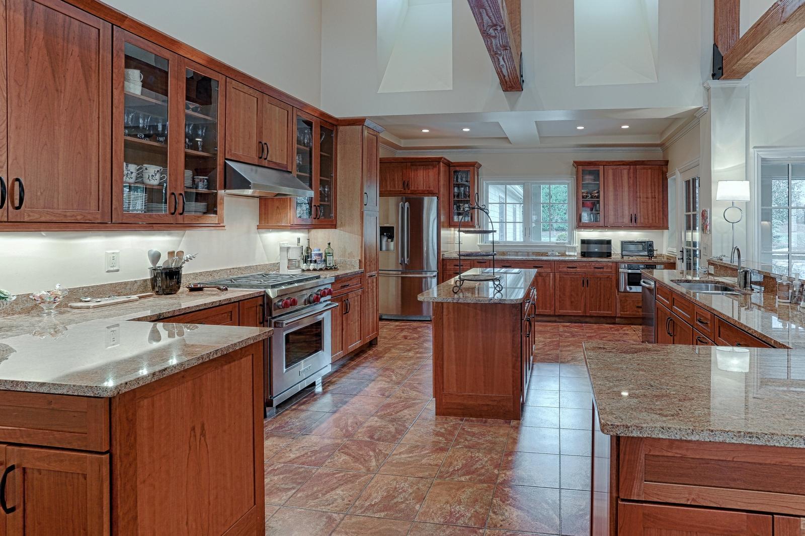 1215 Cherokee Blvd - kitchen1