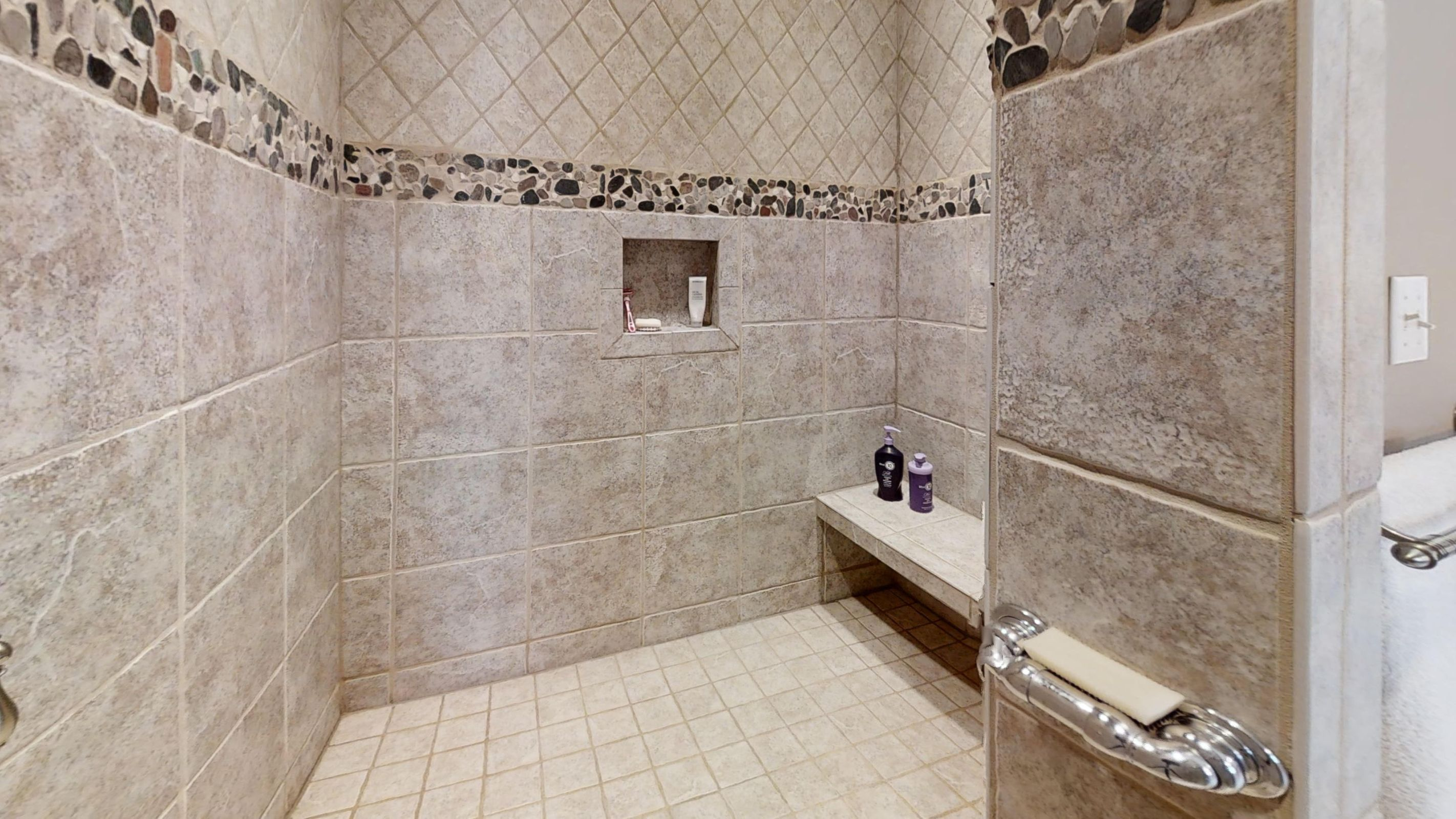 12000-Mallard-Bay-Dr-Bathroom(3)
