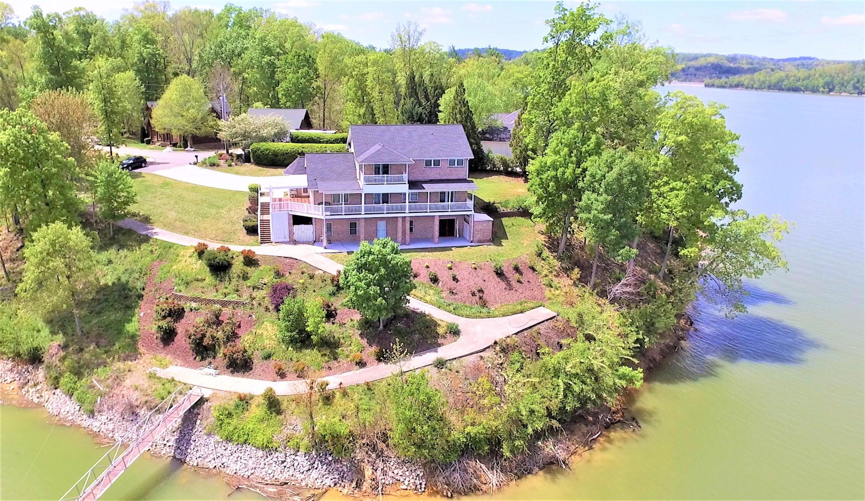lake house 113