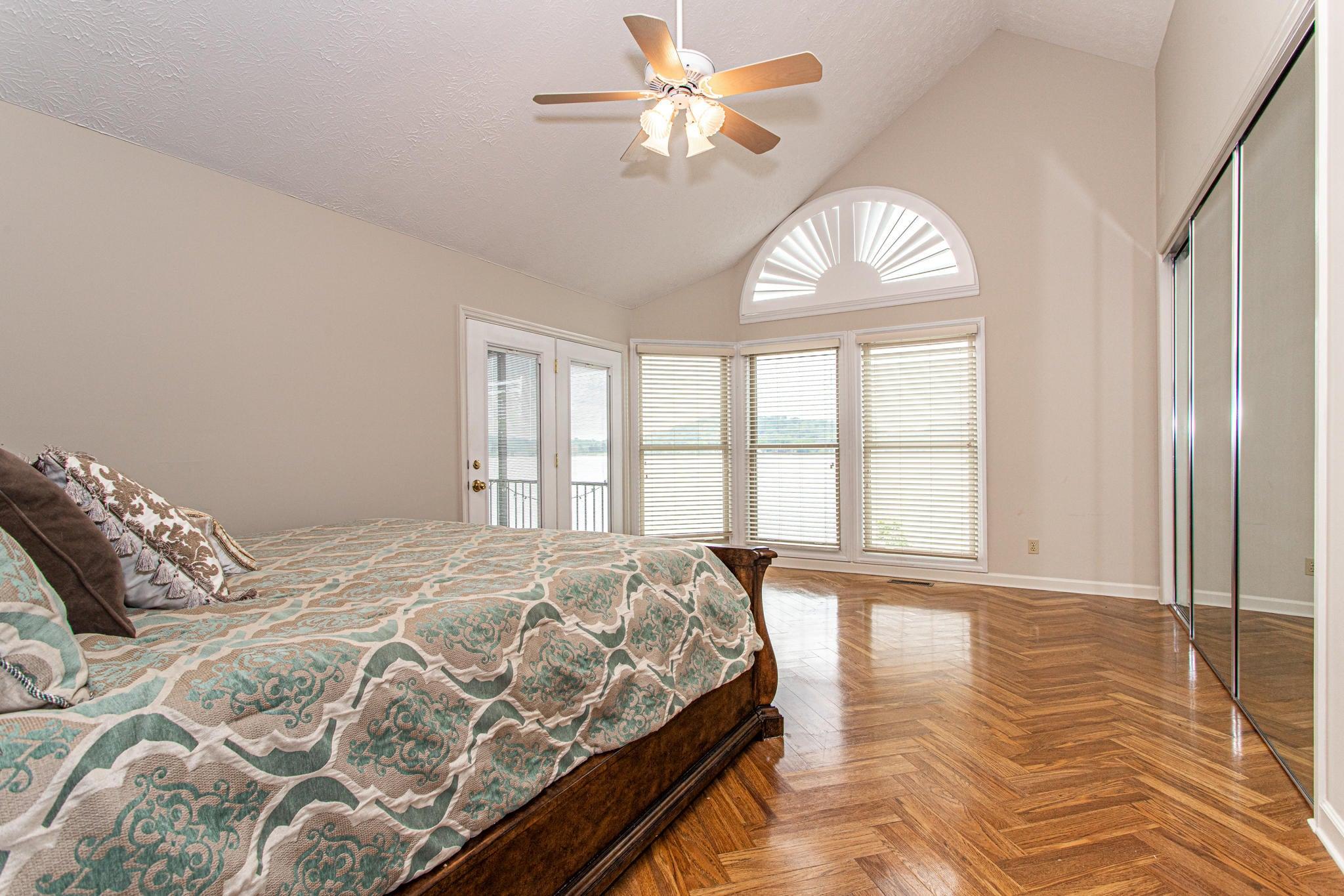 Mainlevel Master bedroom