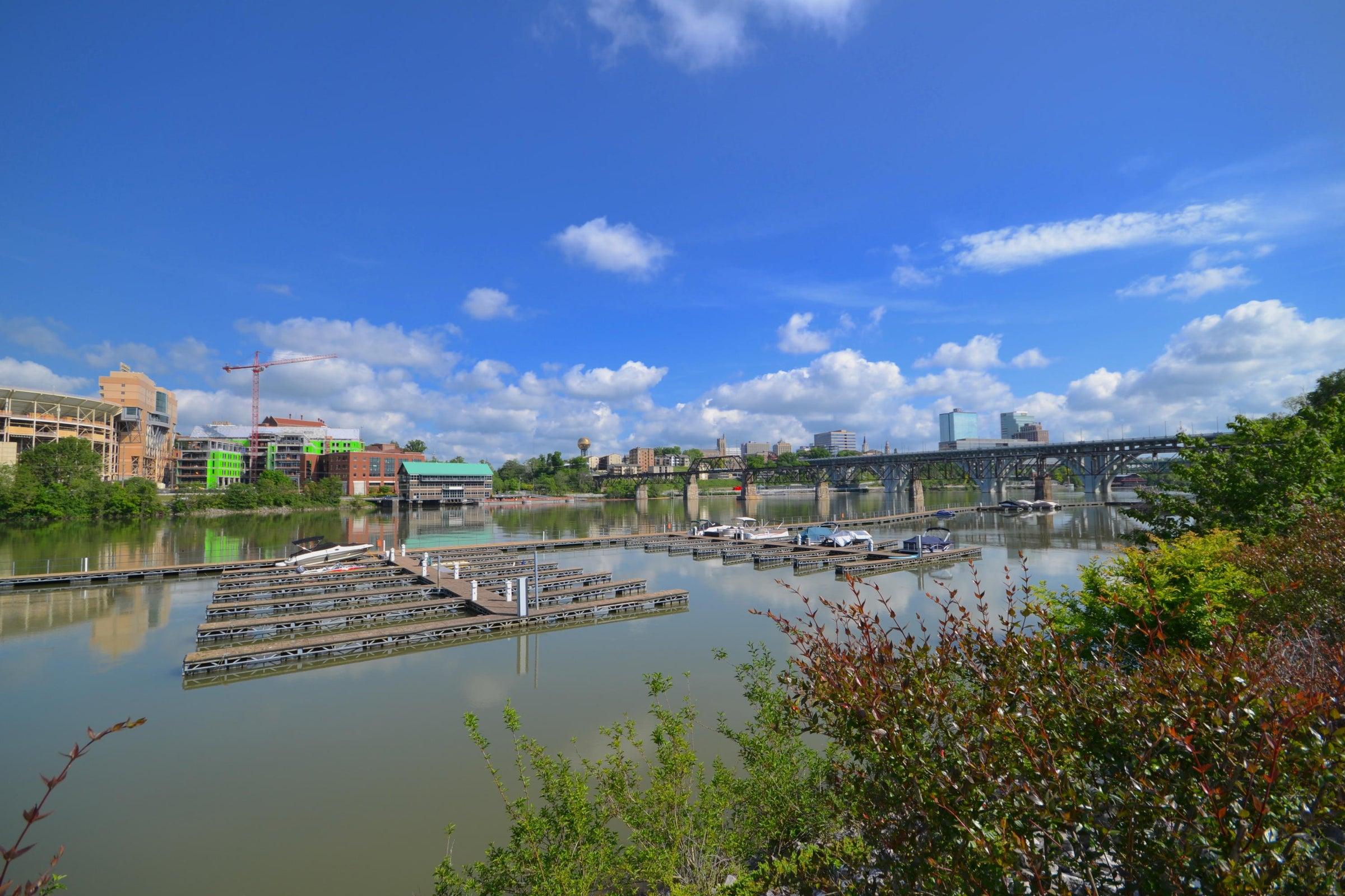Cityview dock-river