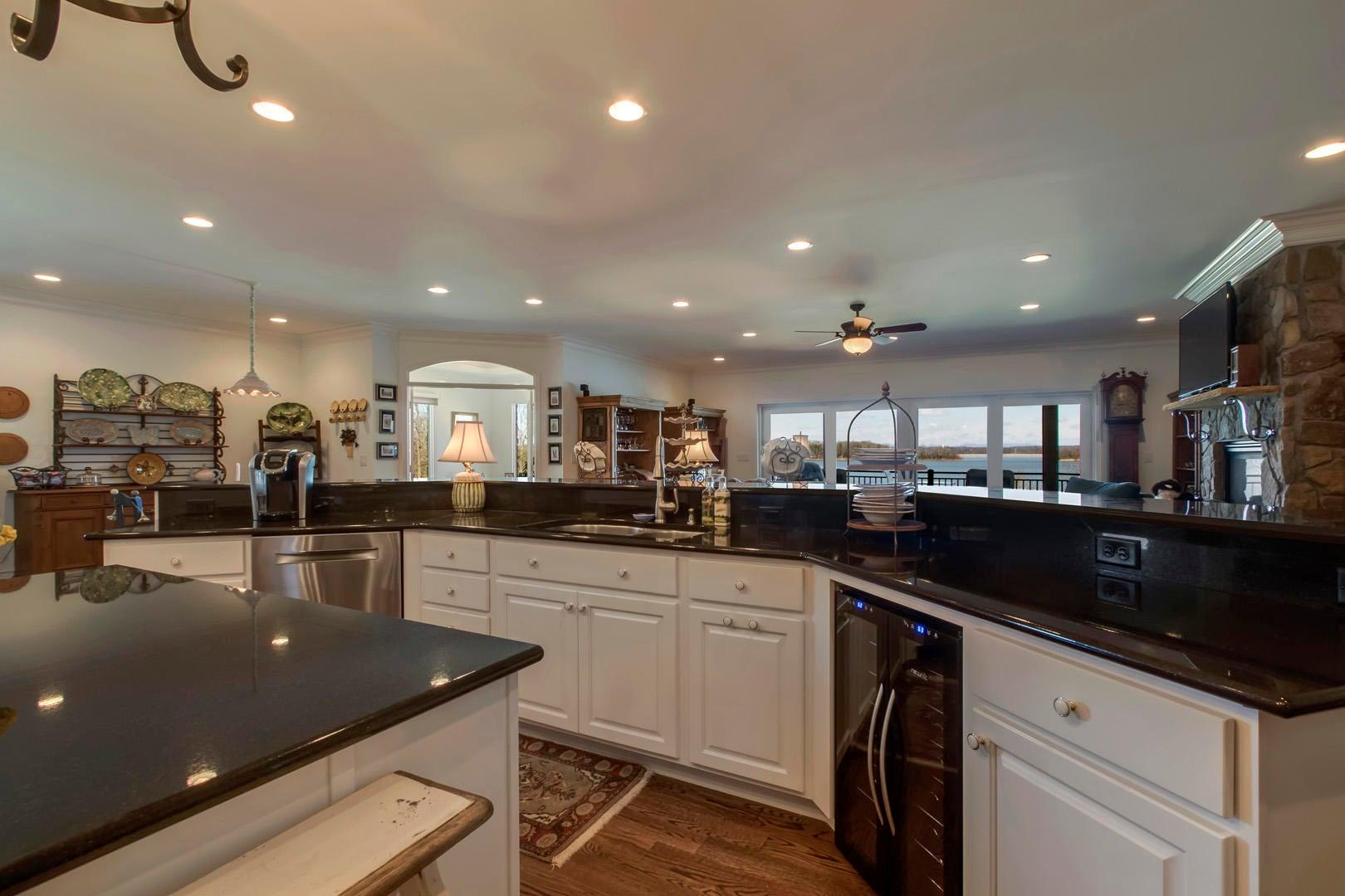 Kitchen Lake View