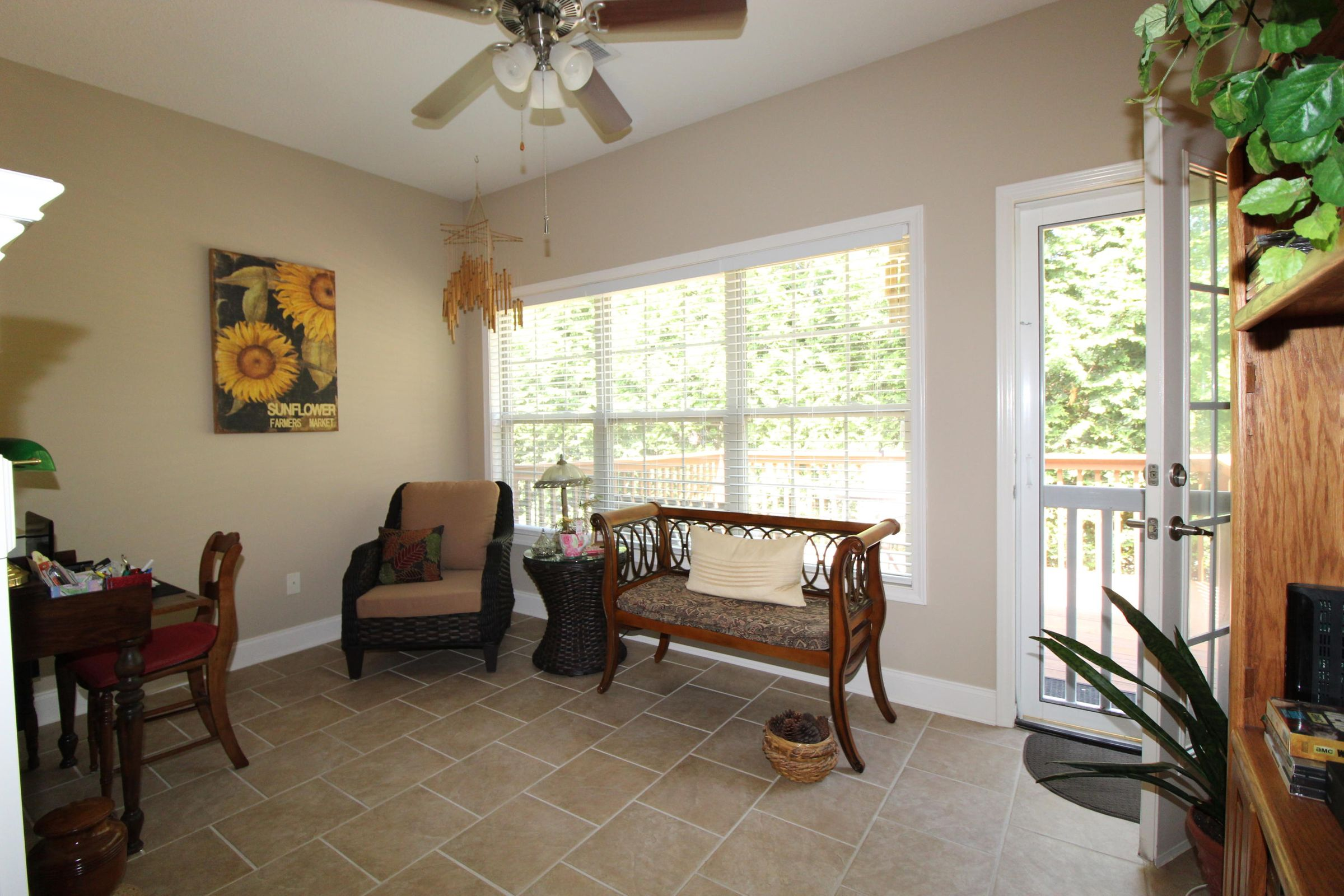 Another view of sunroom