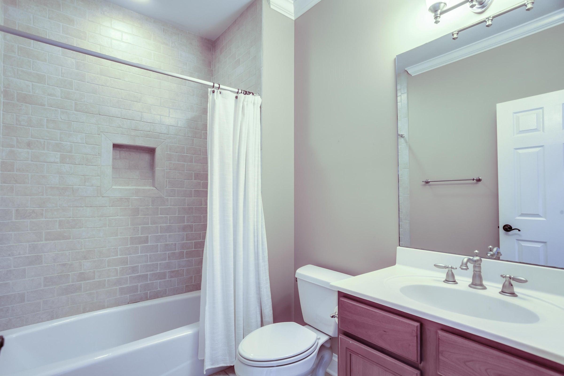 Bathroom for bedroom 4