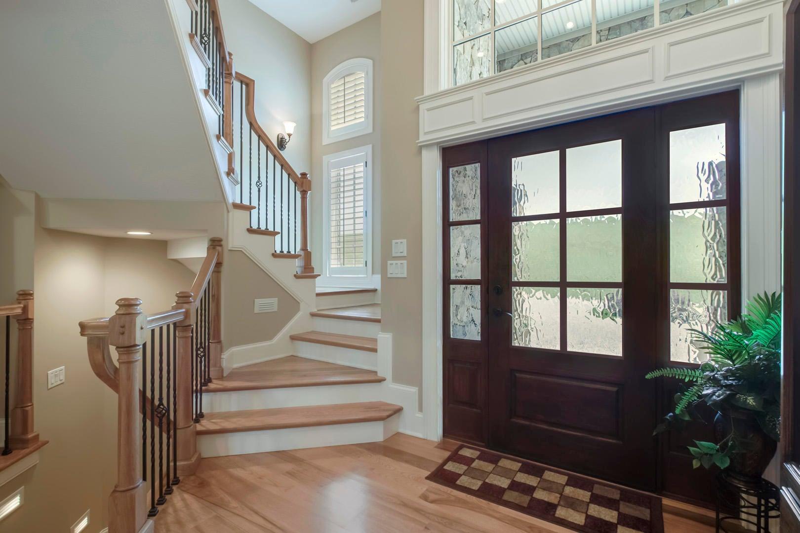 21_TaffrailDrive_972_StairsUp