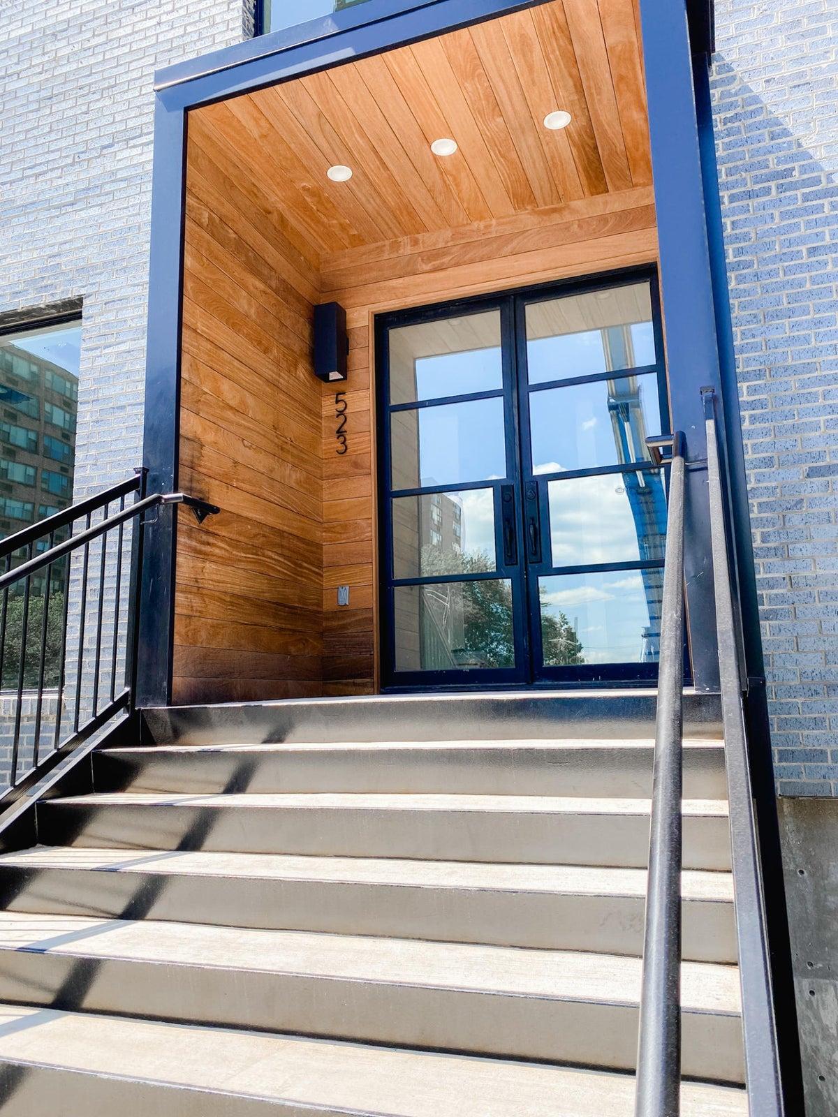 523 W Vine Front Door