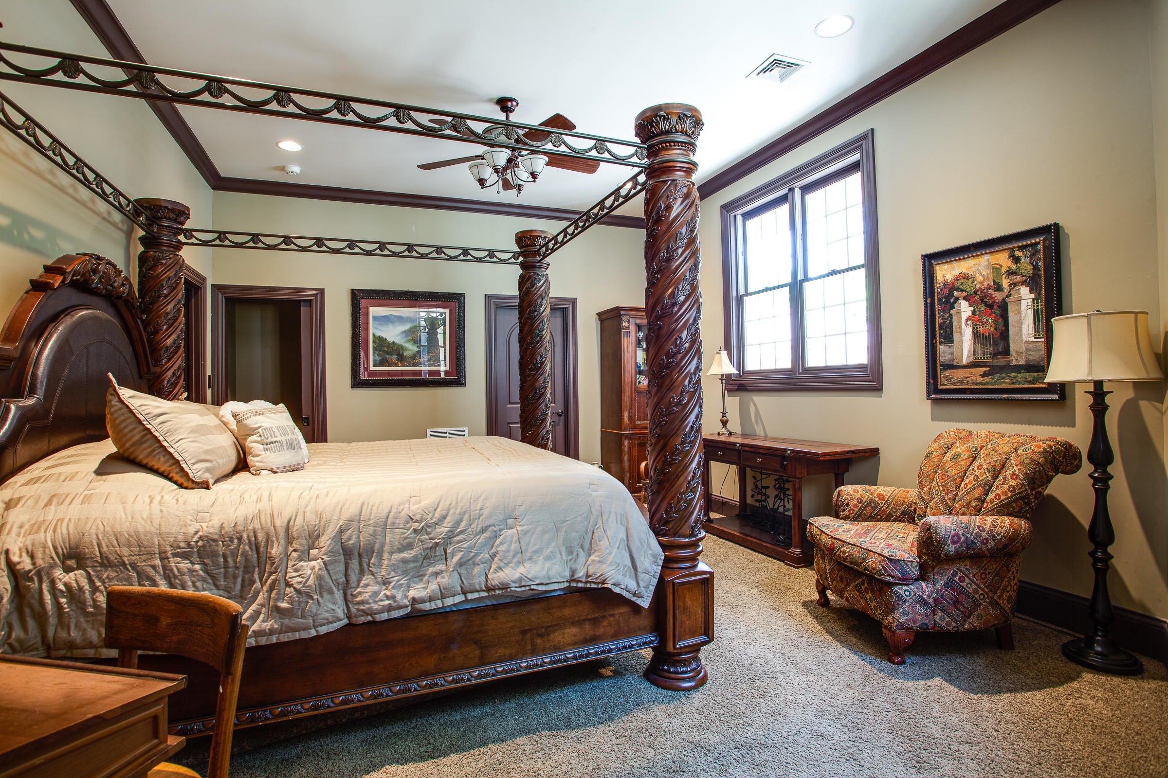 Bedroom Suite_pg48