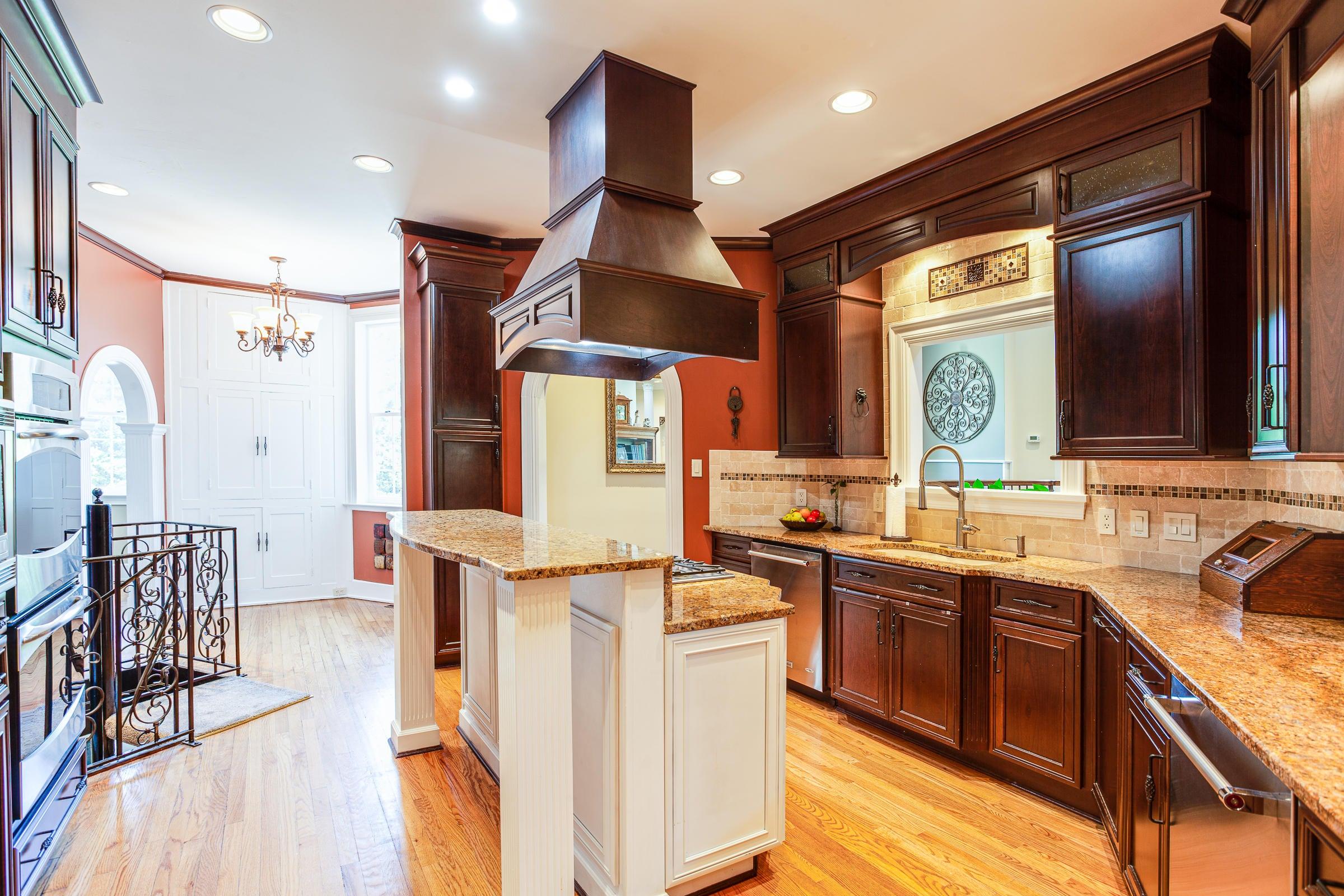 Kitchen_pg93