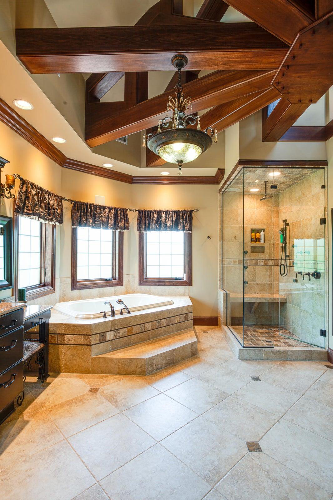 Owner Suite 2 Bath_pg22