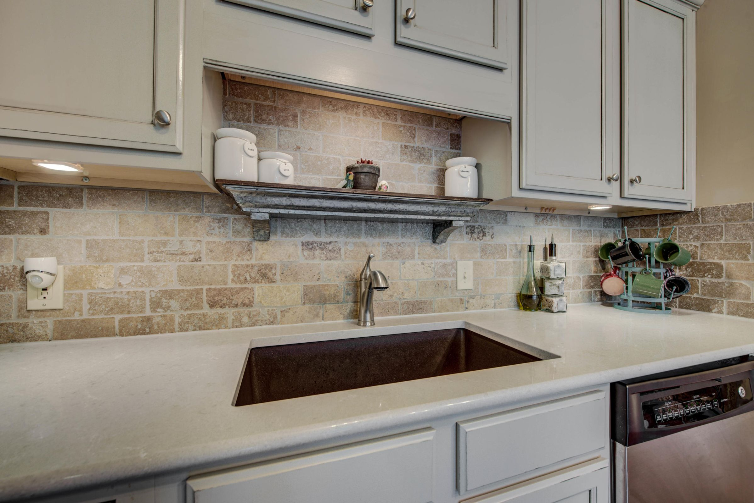 Beautiful Cabinets and Countertops