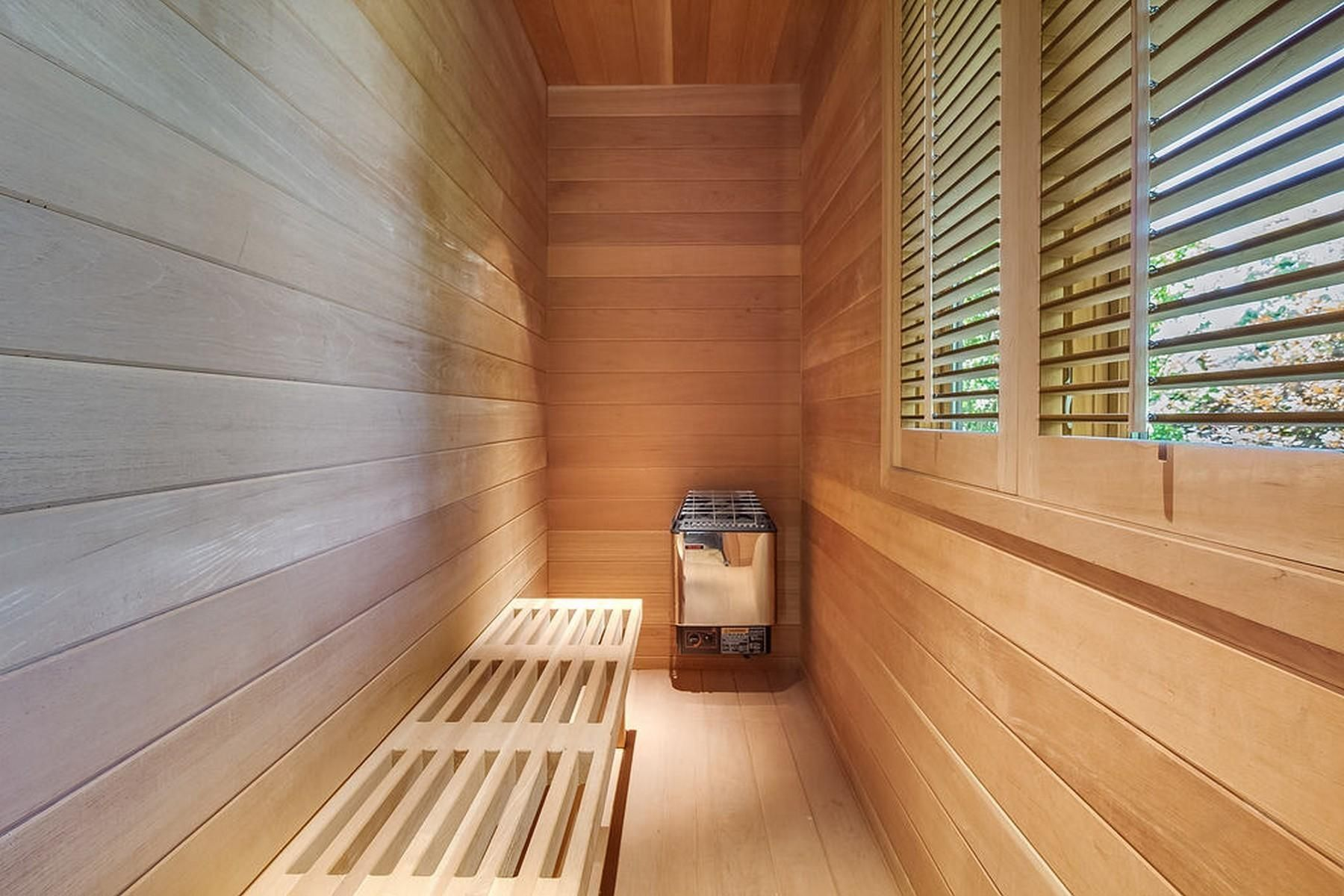 Q8 Master Bedroom img-9603