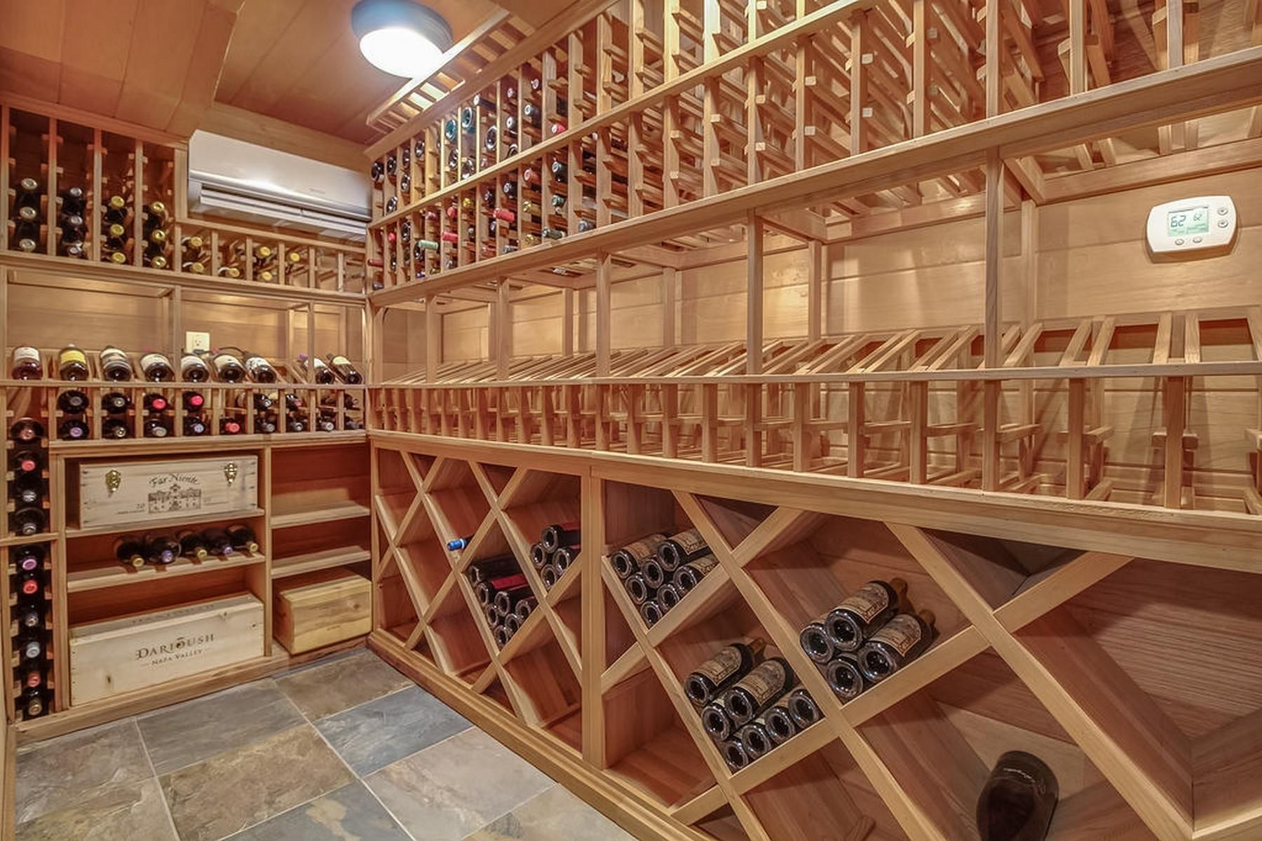Y1_Wine Cellar_Lower Level -9607