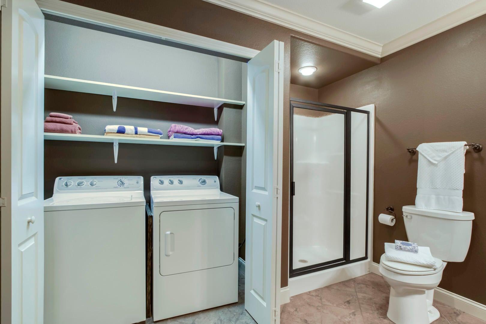 32_TopsailCourt_202_GuestBath3-Laundry2