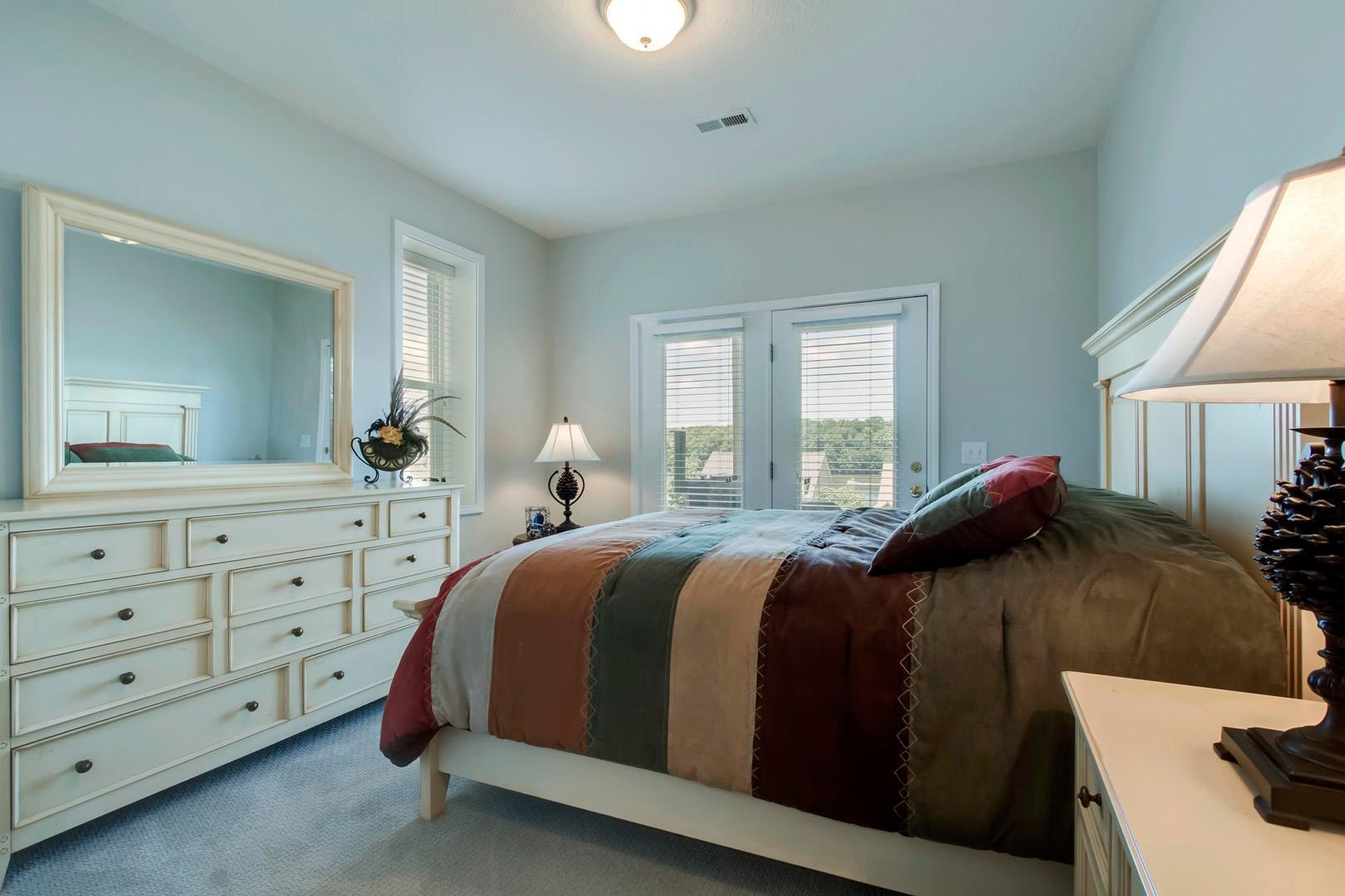 30_RarityBayParkway_929_Bedroom2