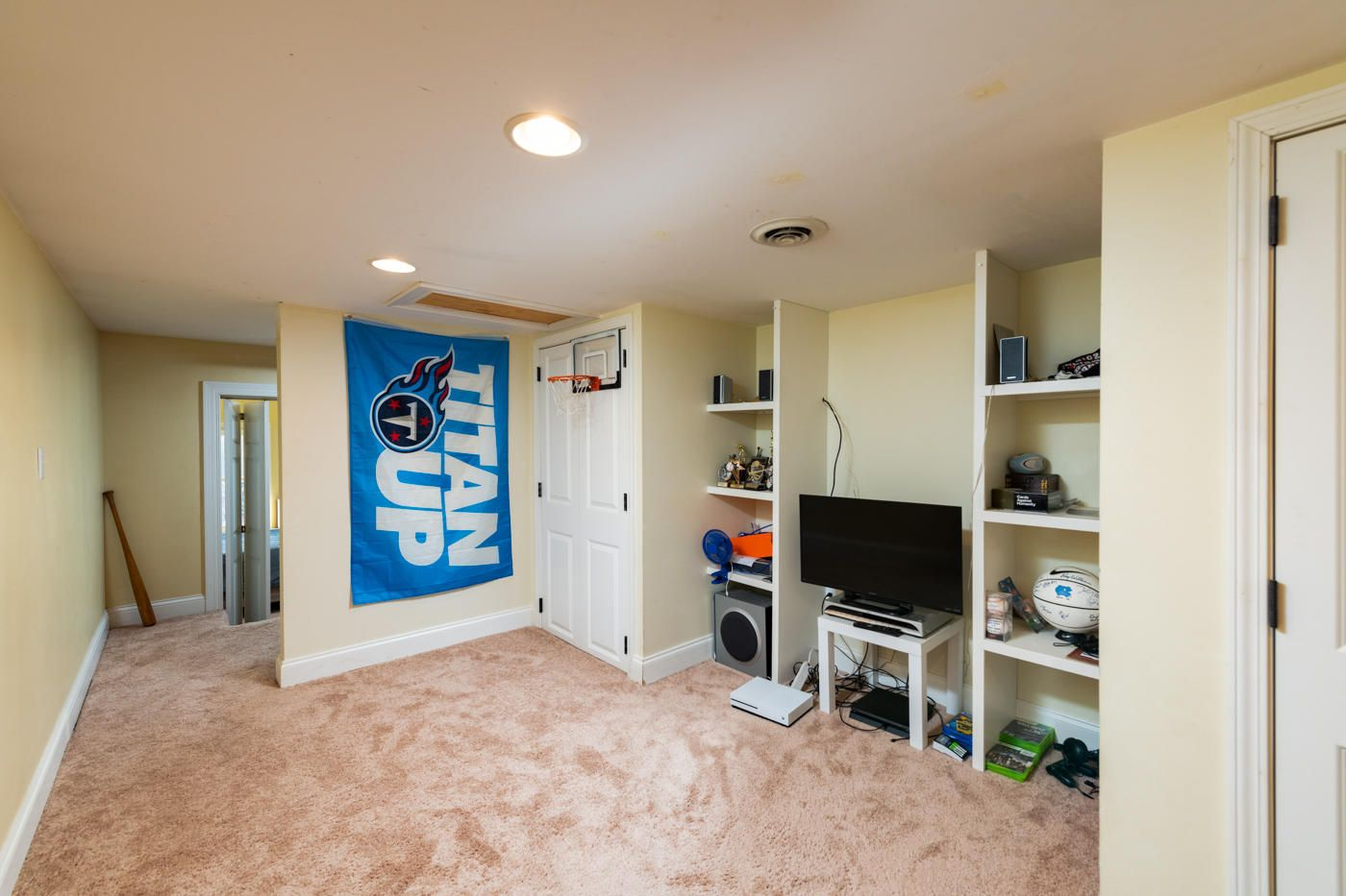 PLAYROOM/BONUS ROOM