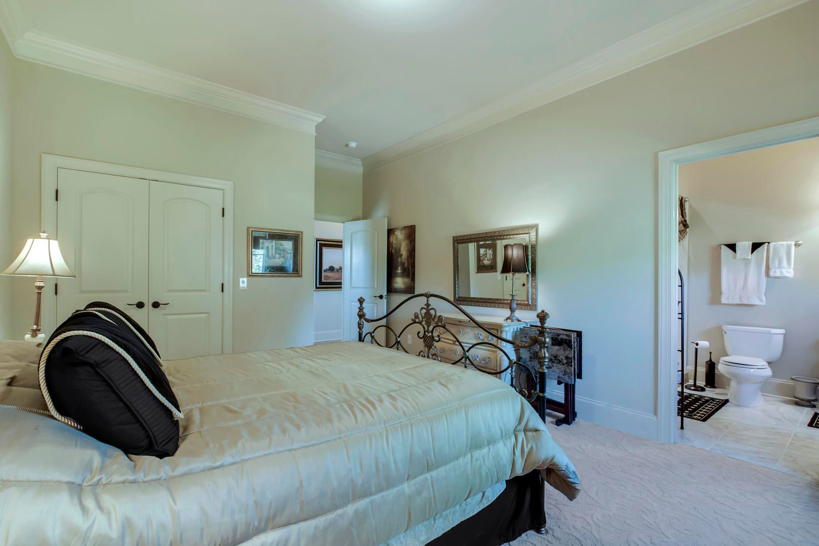 33_LighthousePointeDrive_16793_Bedroom2_
