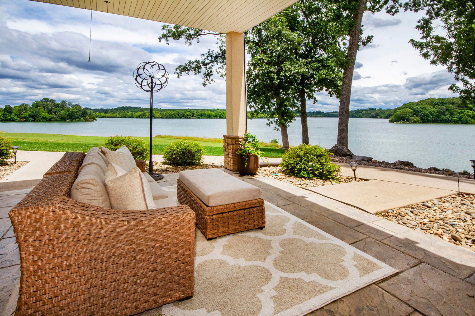 Relax & Enjoy Lake & Mountain Views
