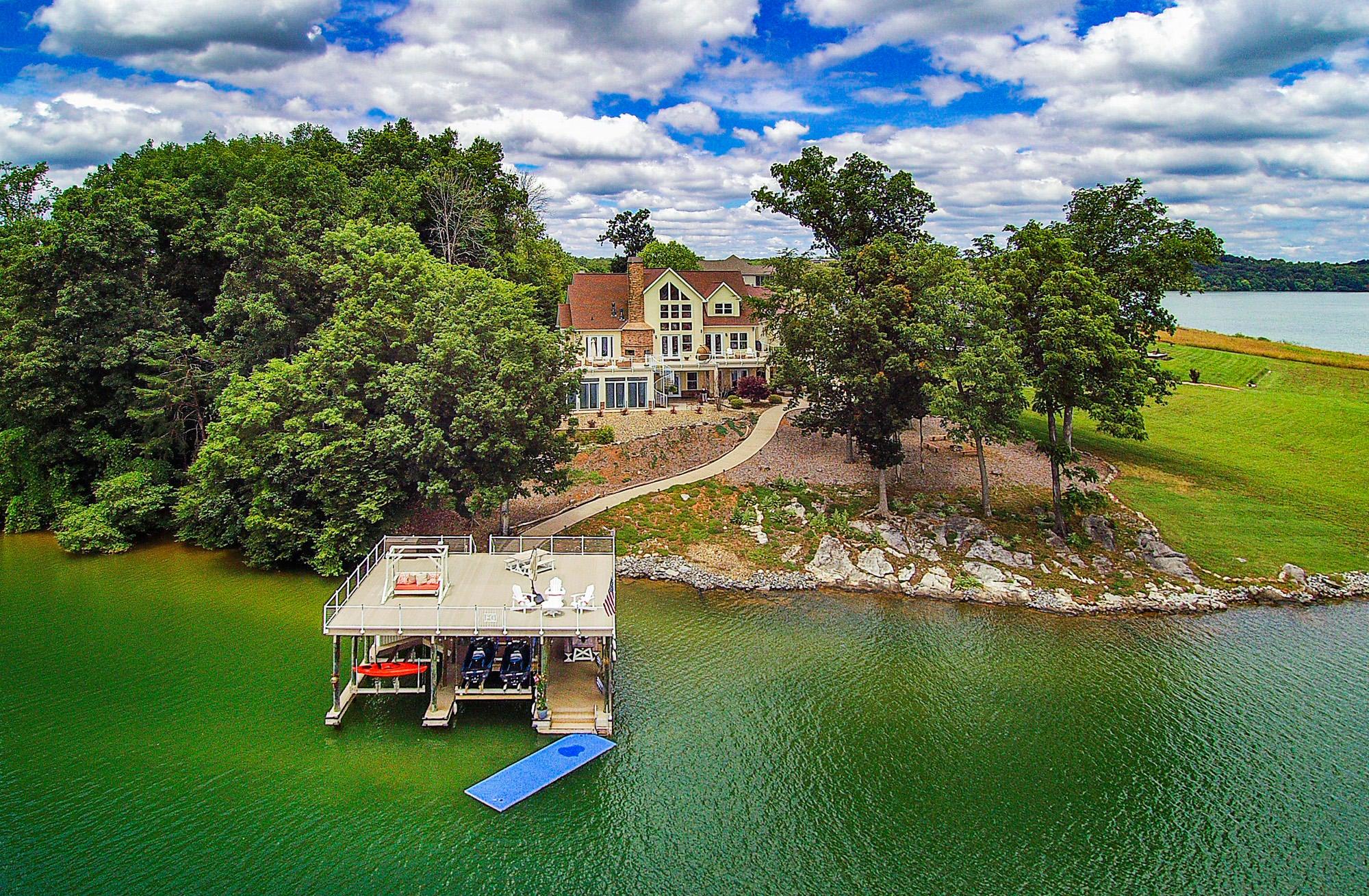 Enjoy Your Lakefront Paradise