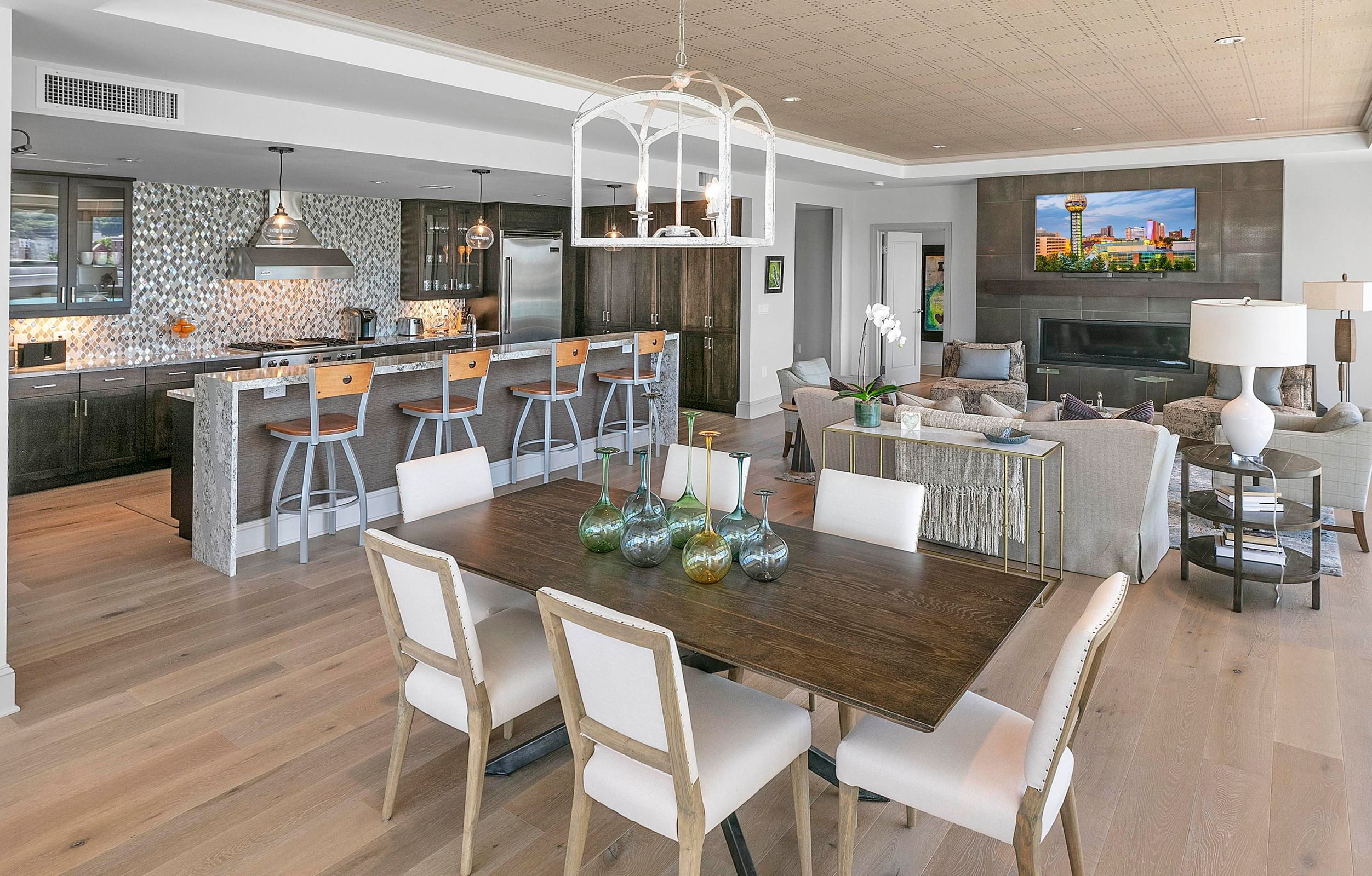 Kitchen:Dining:Living Rooms2