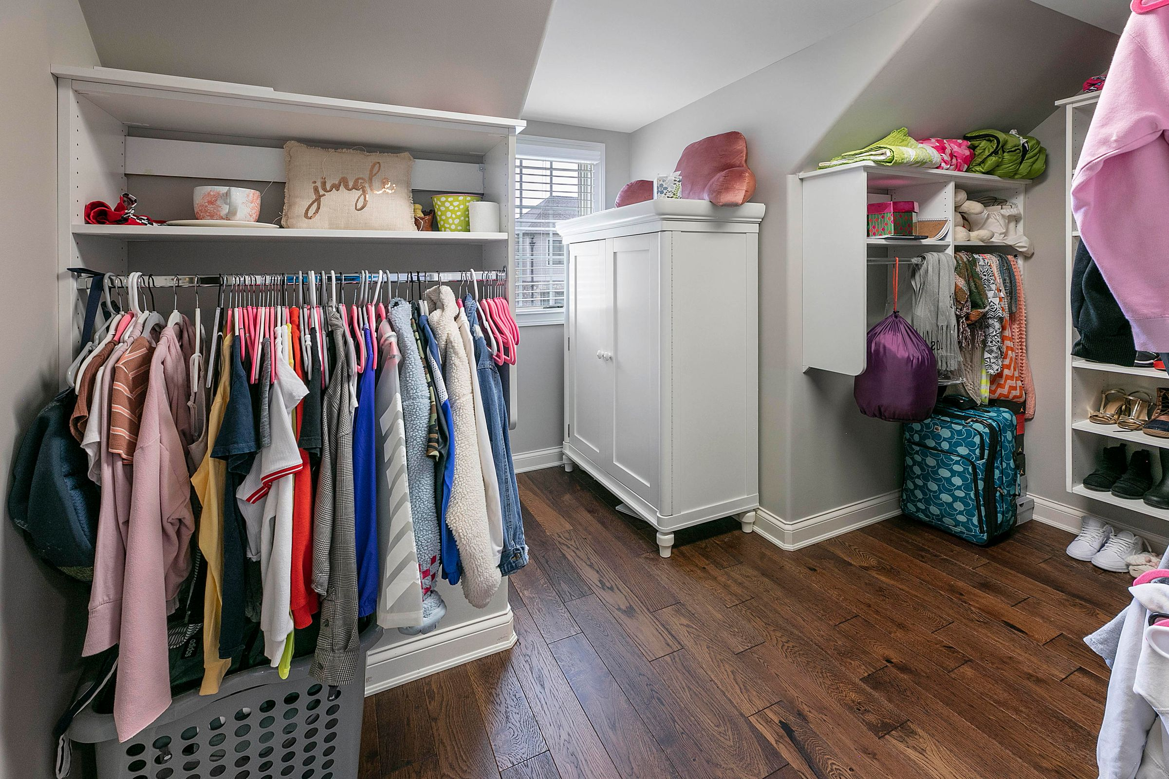 Extra large closet with bedroom 4