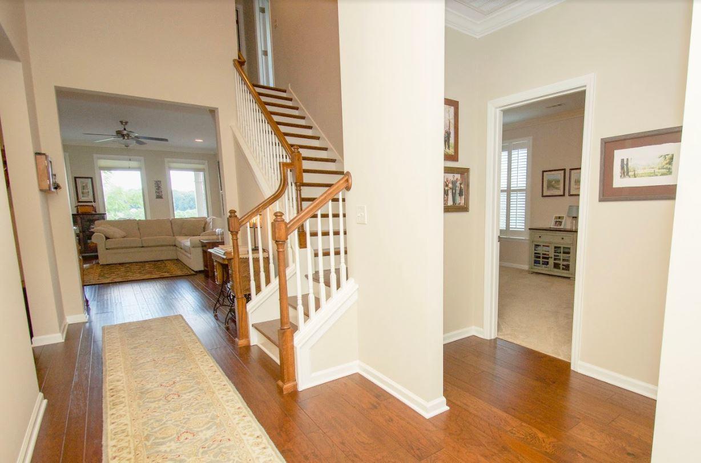 Dunlin - Entry-Stairway
