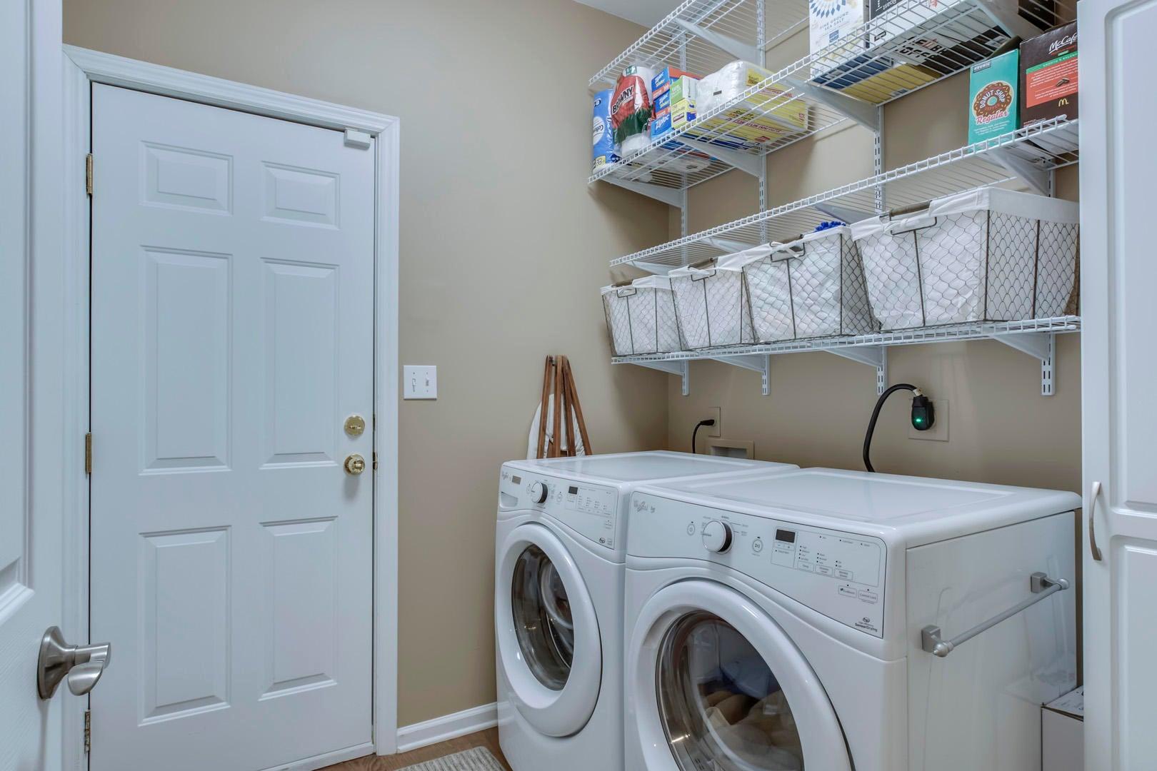 35_177 Depew Drive_Laundry