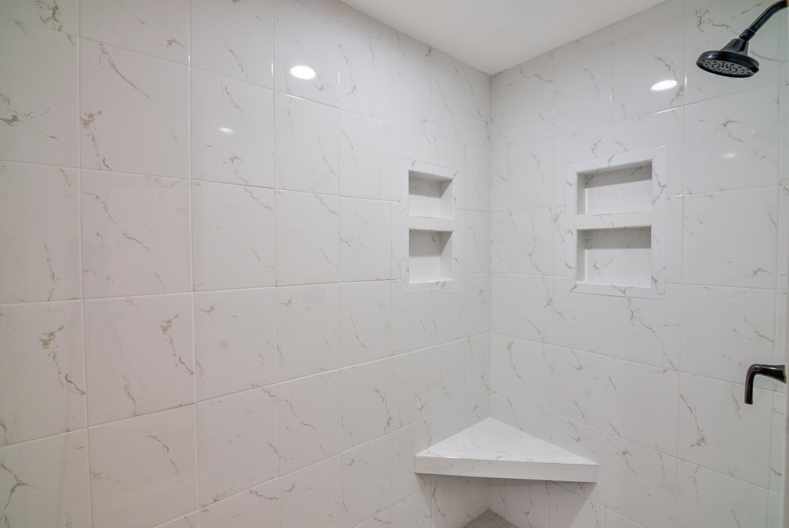 Int Bedroom Master Bath Shower Detail