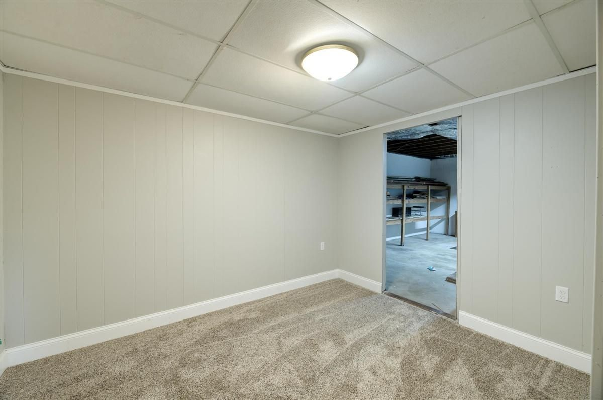 Office and extra storage