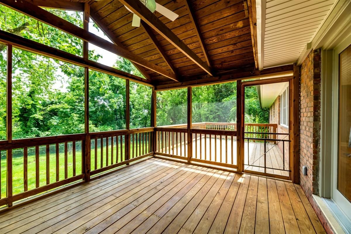 Screened Porch and grilling deck