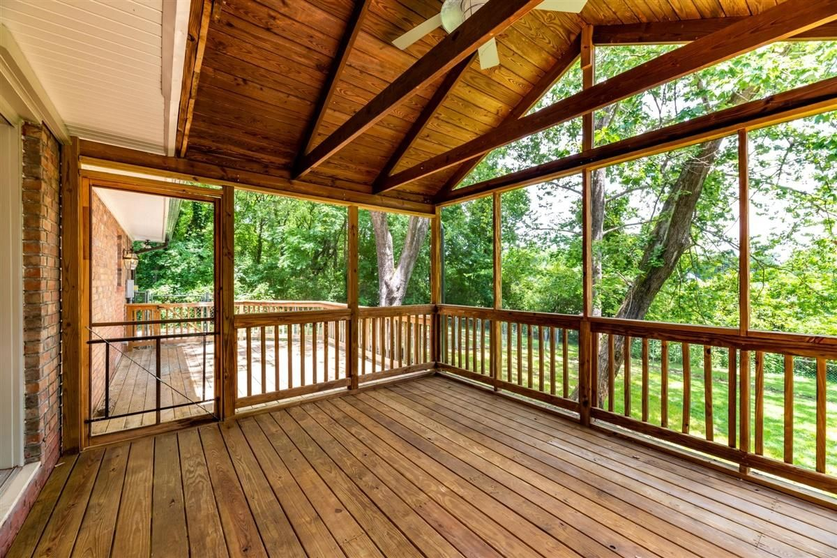 Vaulted screened porch