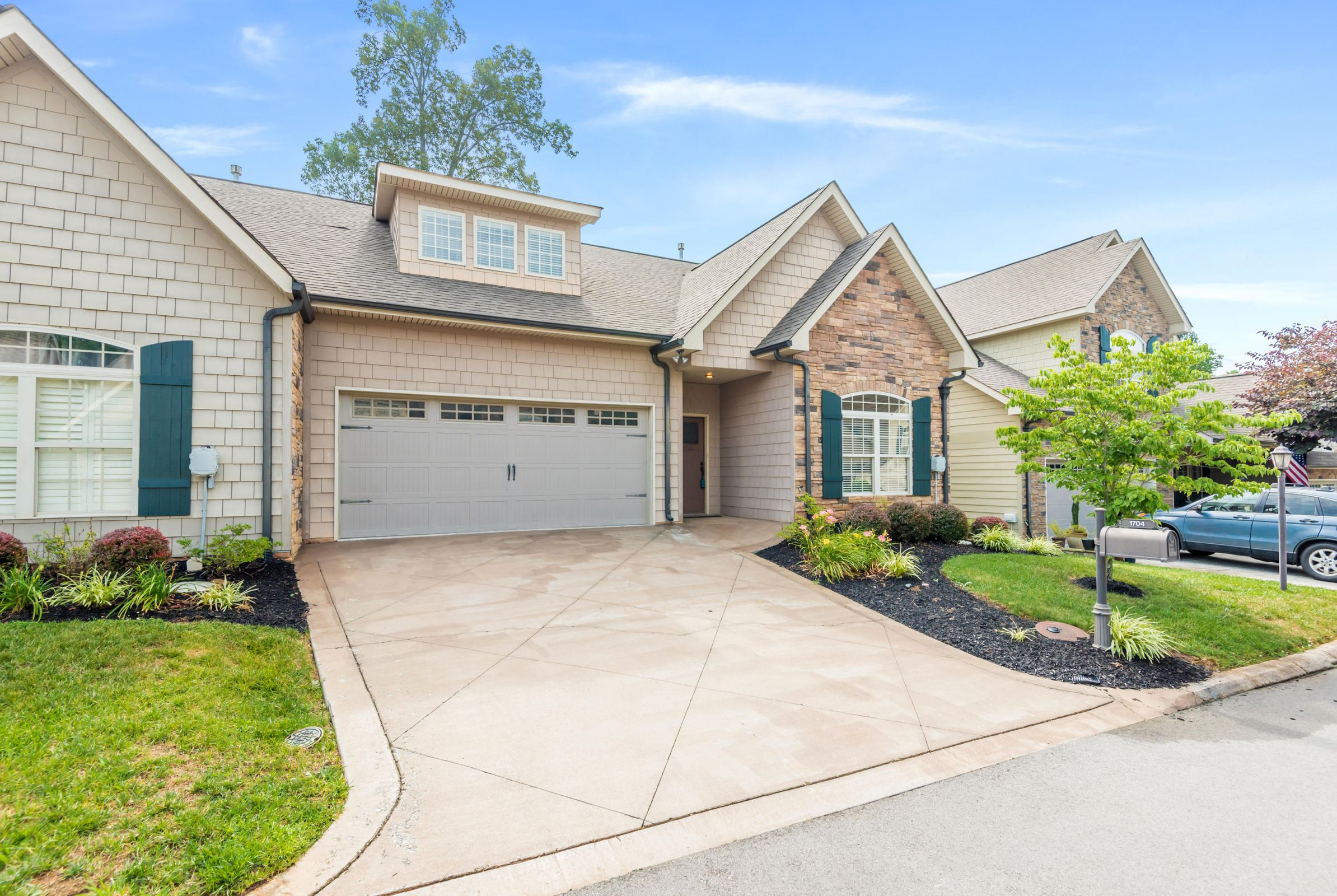 1704CottageWoodWay-34