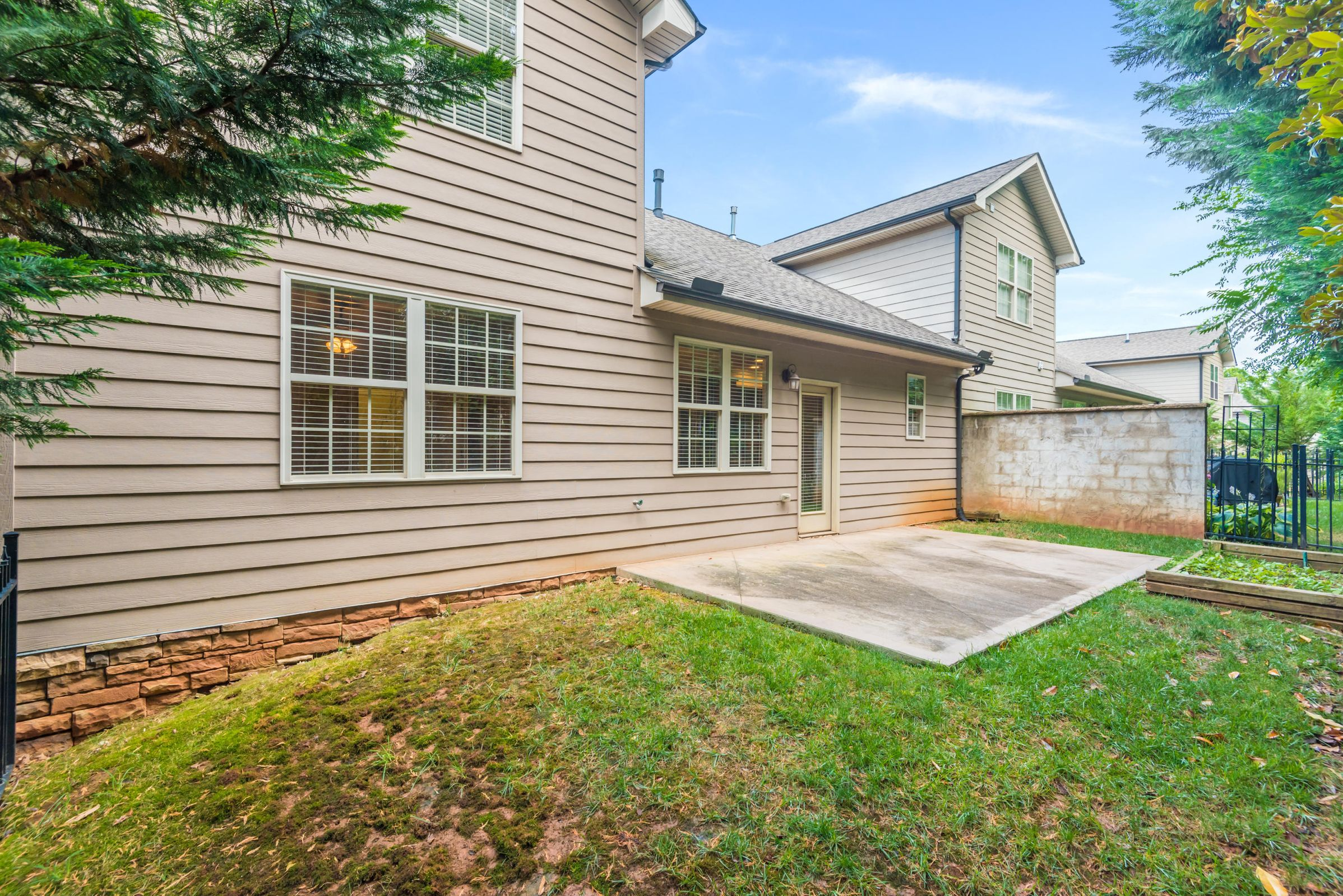 1704CottageWoodWay-33