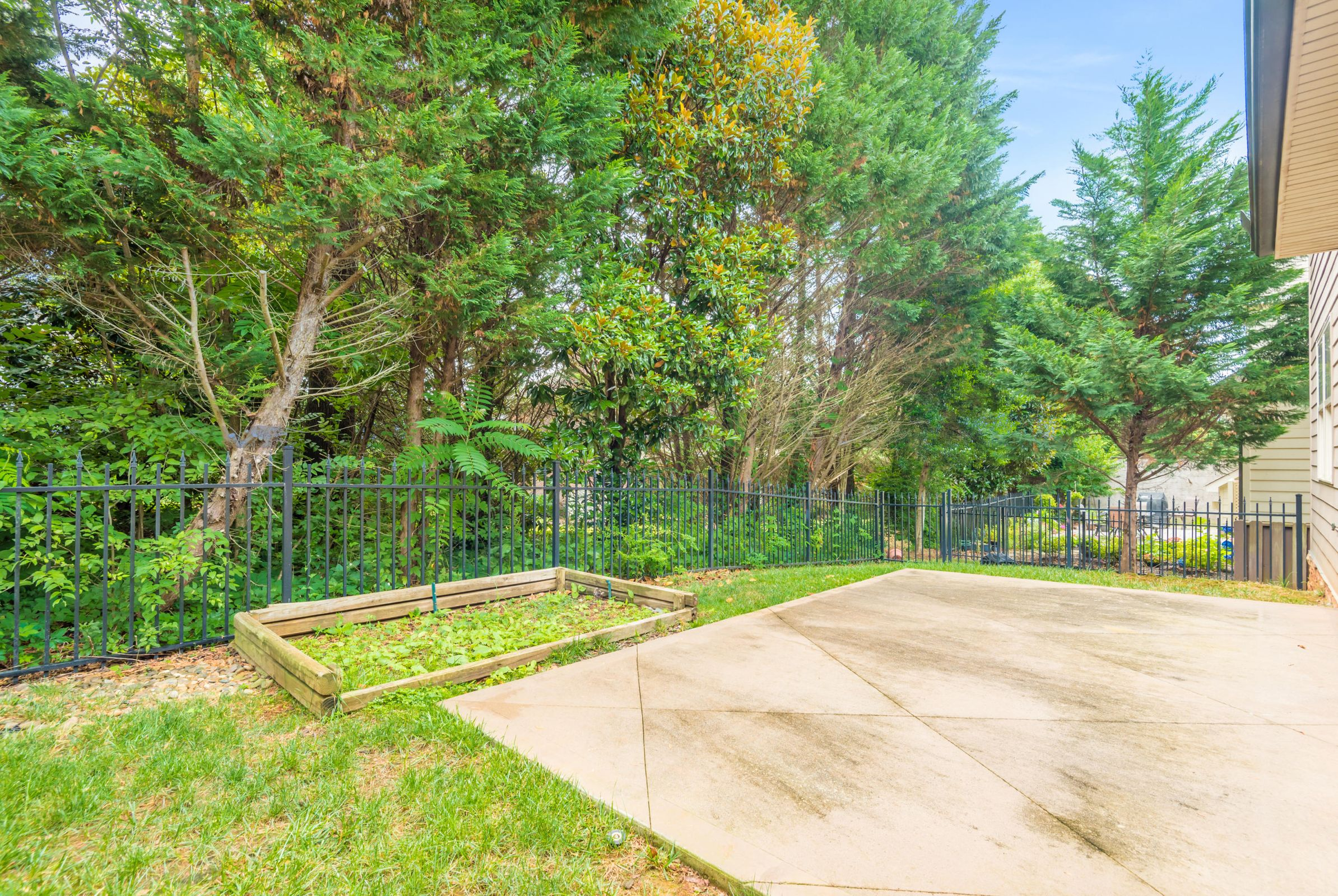 1704CottageWoodWay-30