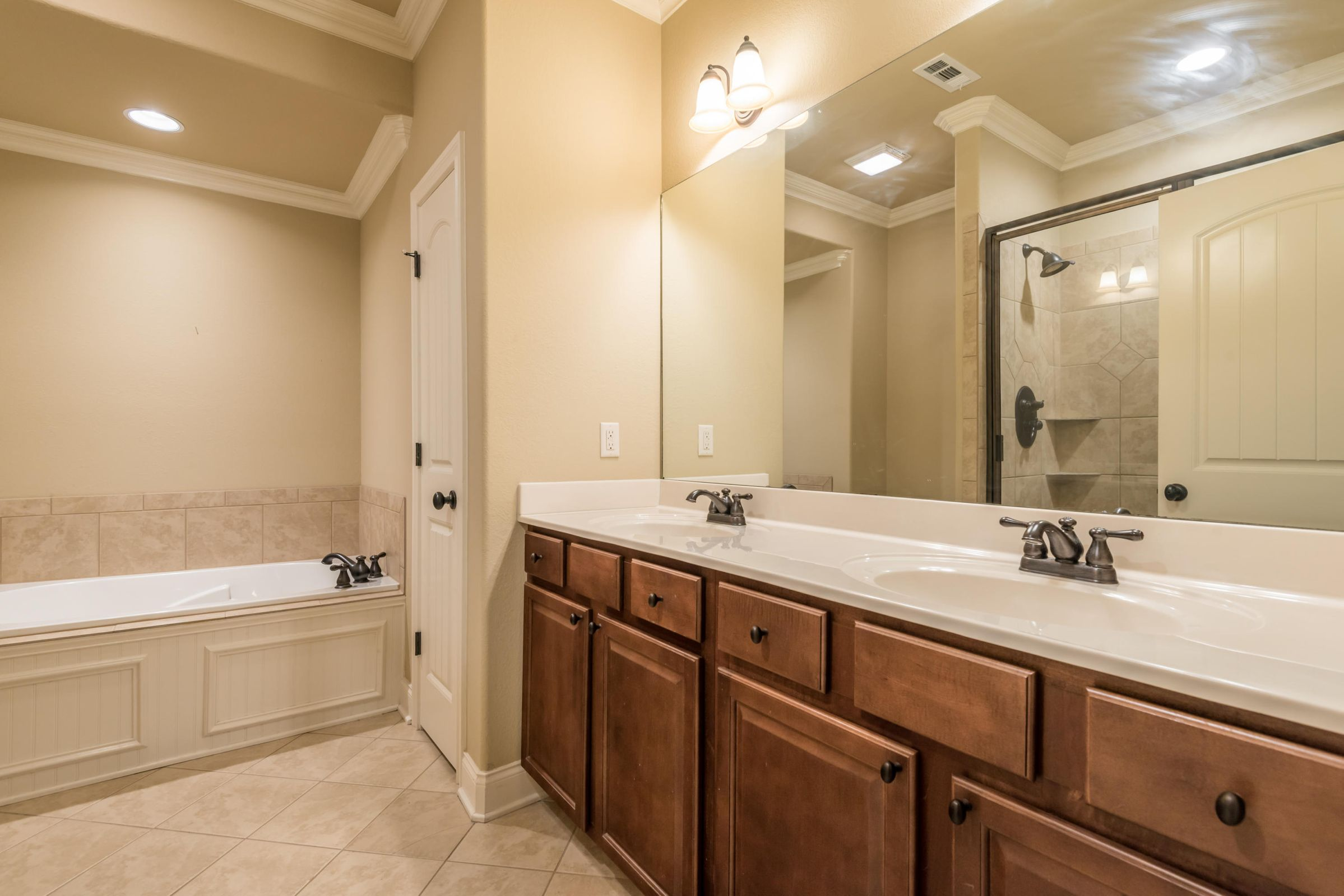 1704CottageWoodWay-8