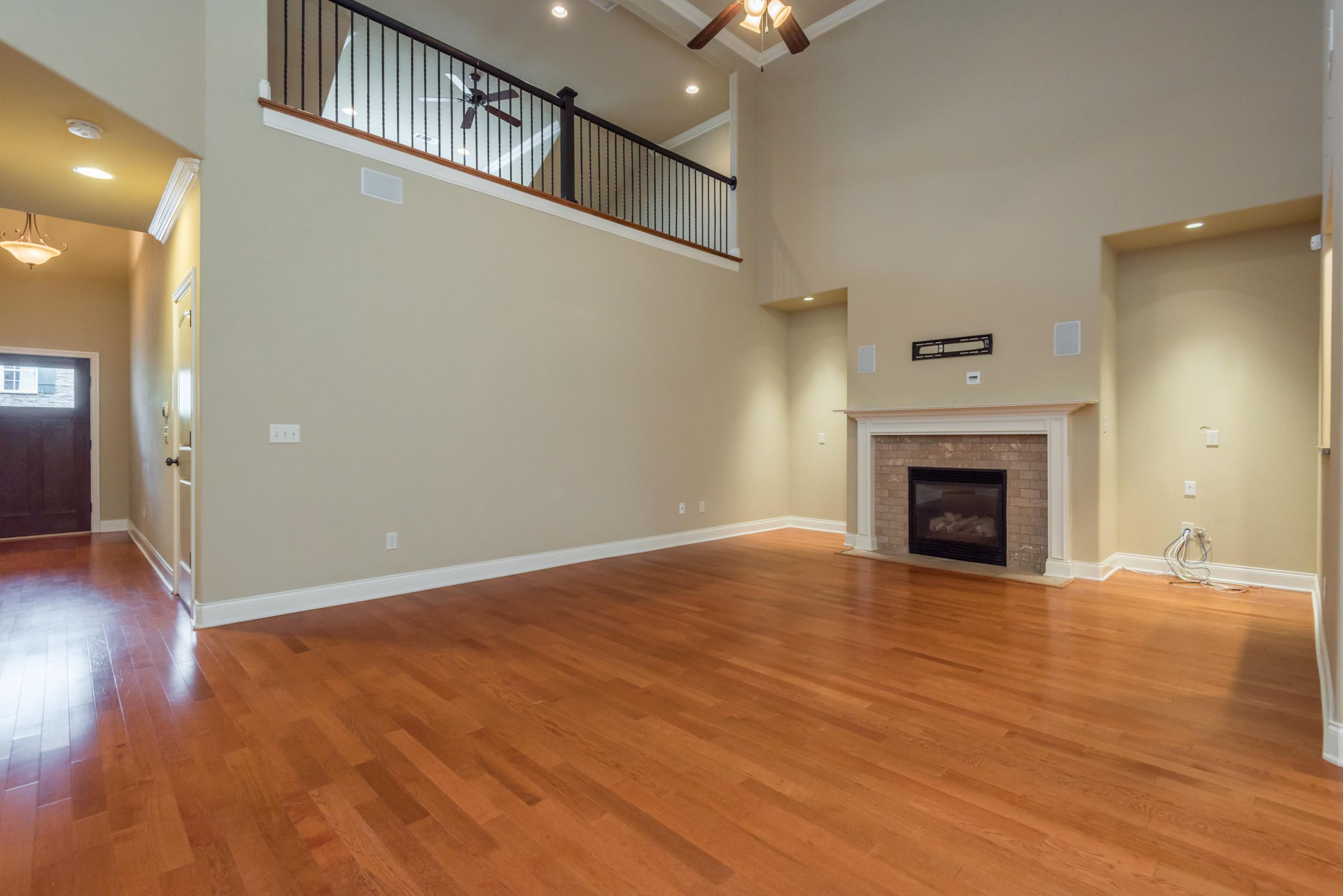1704CottageWoodWay-12