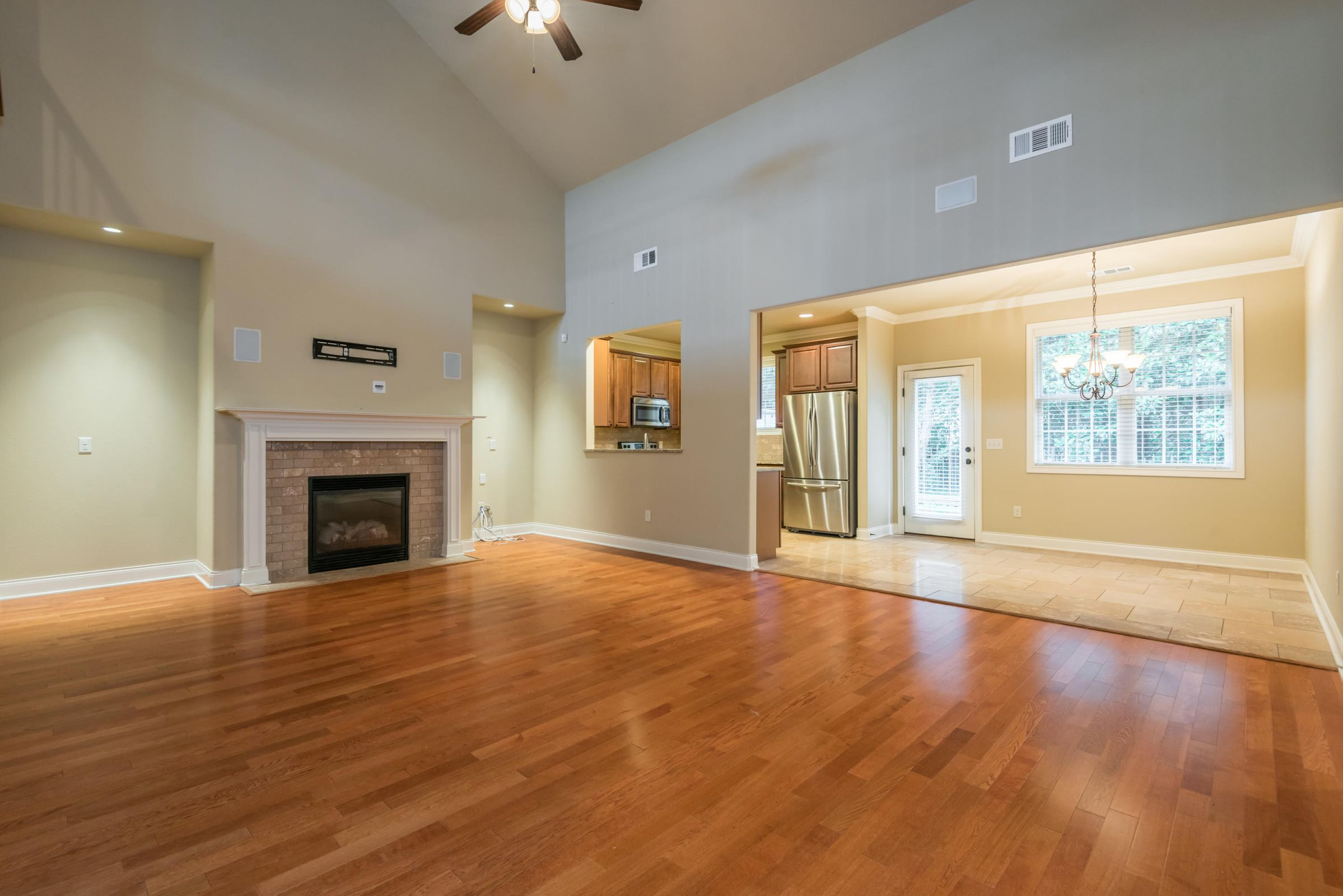 1704CottageWoodWay-13