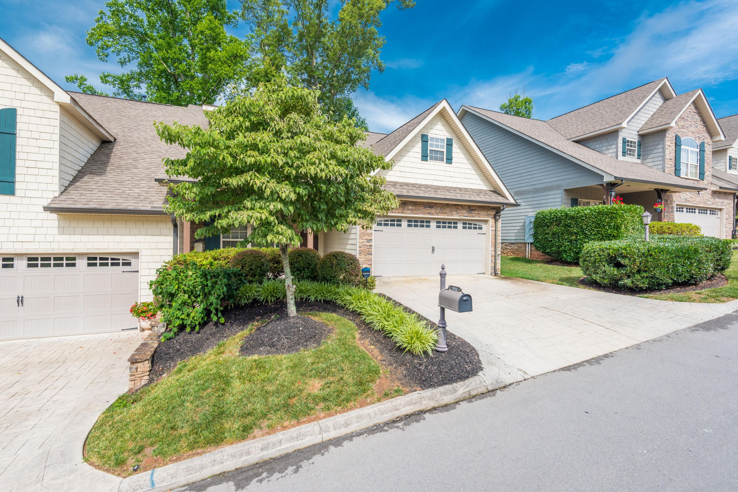 1713CottageWoodWay-4