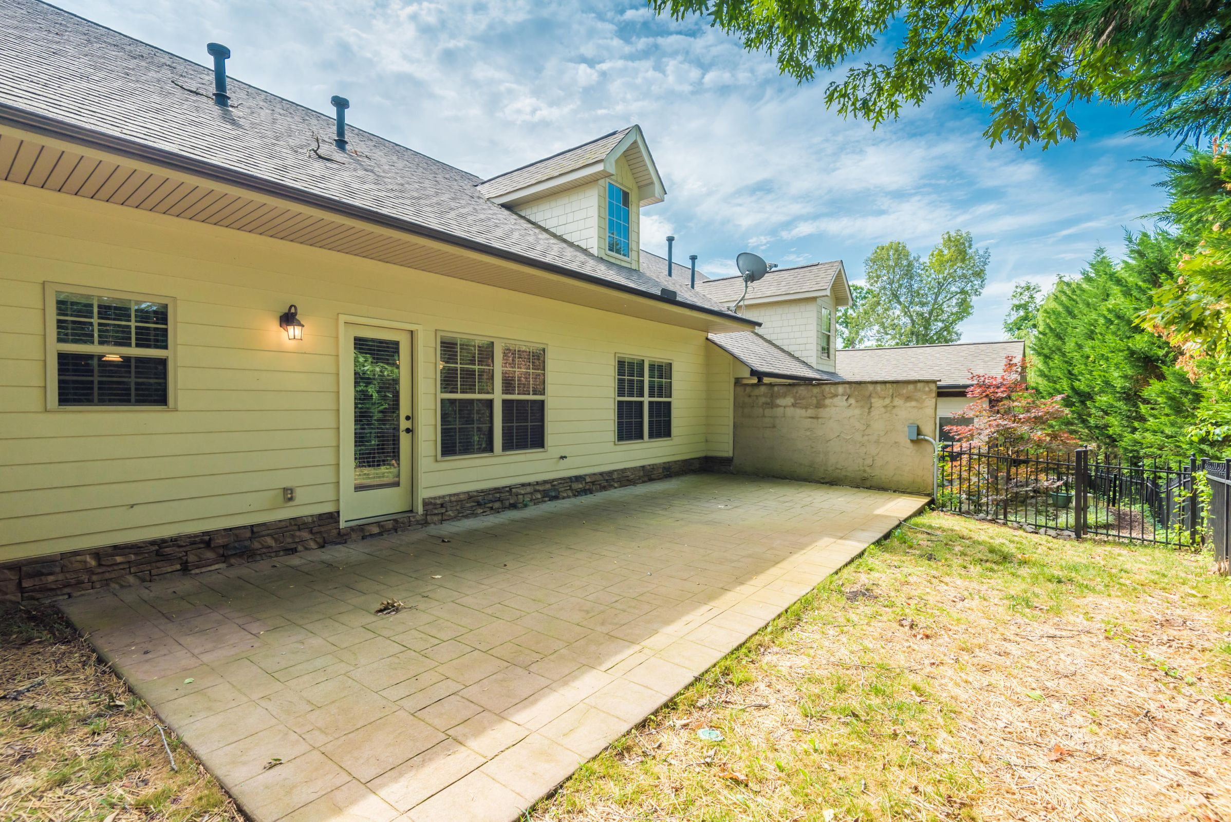 1713CottageWoodWay-6