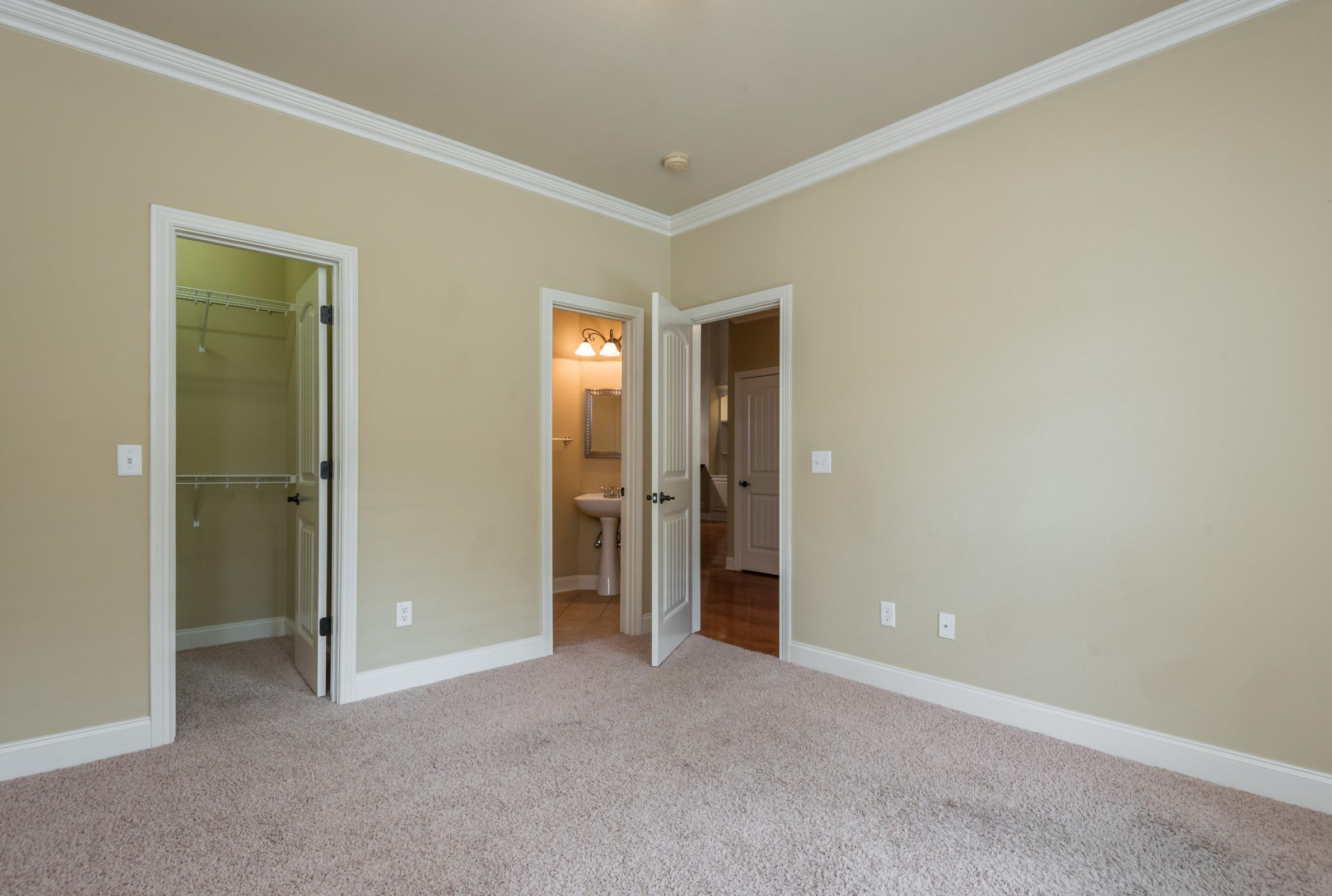 1713CottageWoodWay-11