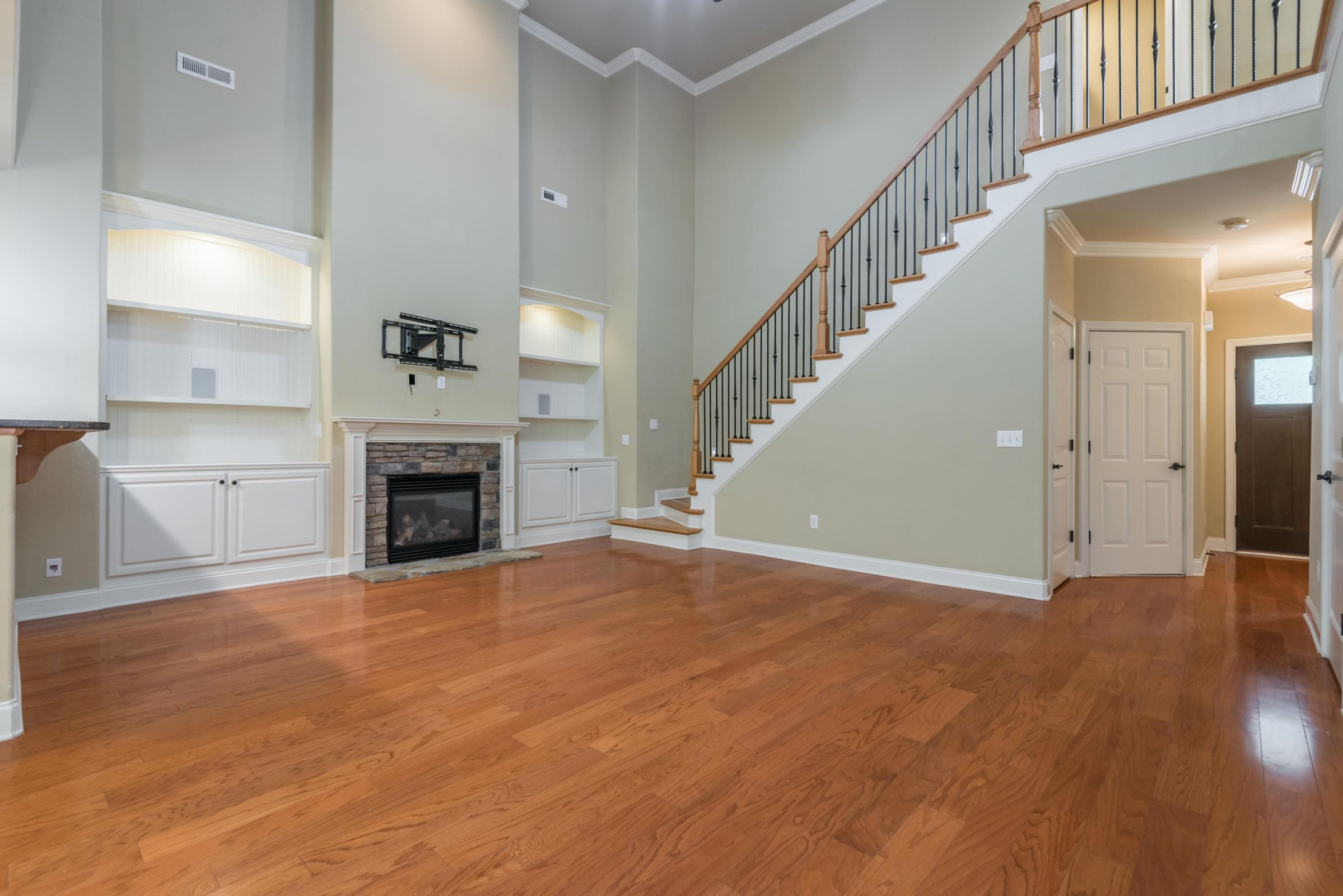 1713CottageWoodWay-16