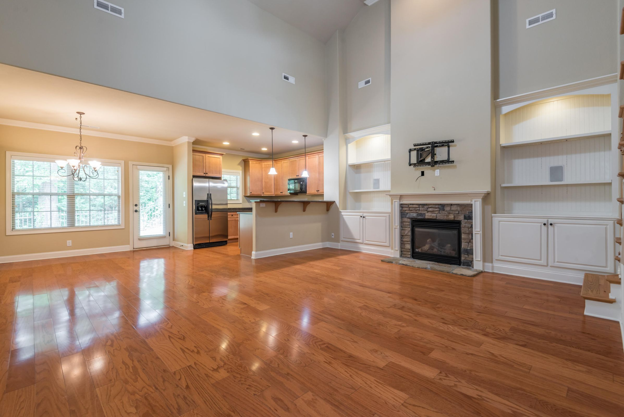 1713CottageWoodWay-15