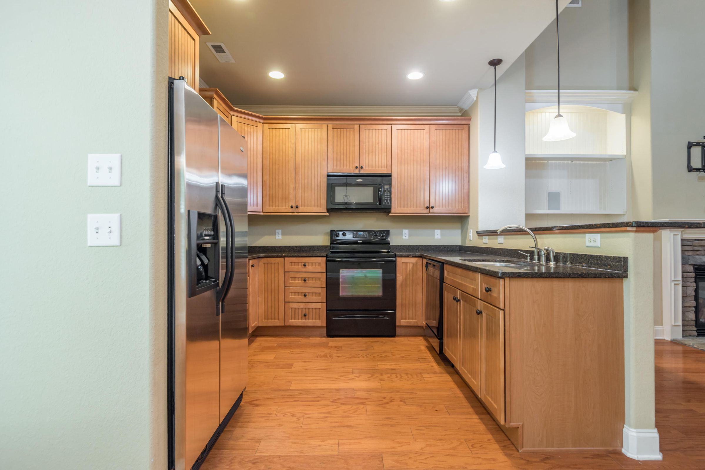 1713CottageWoodWay-21